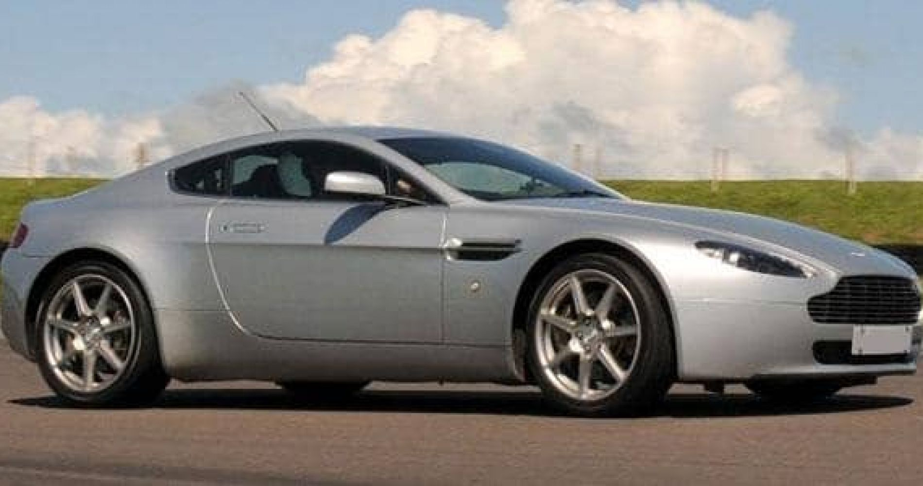 Thrilling Aston Martin V8 Vantage Experience in United Kingdom