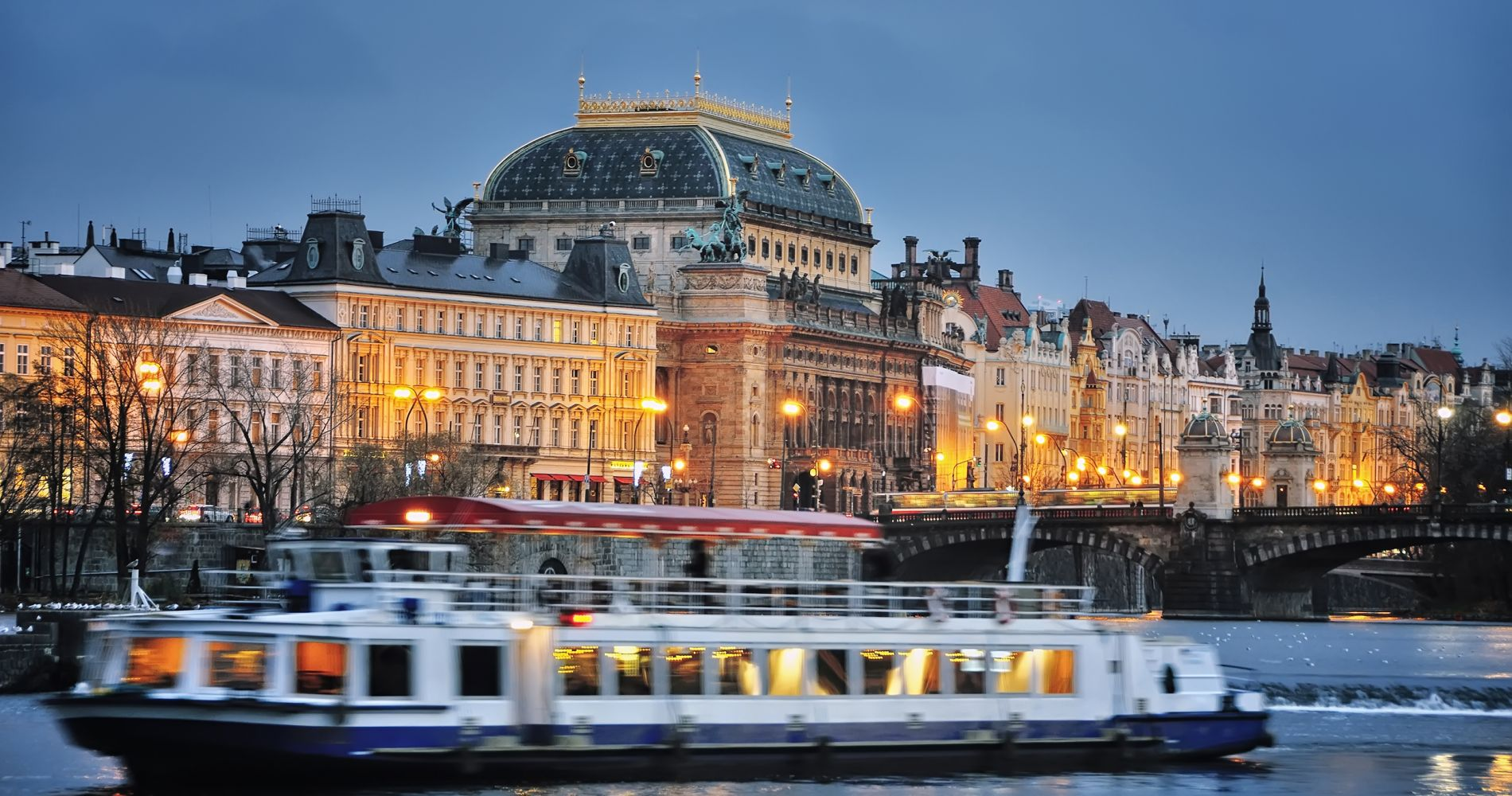 Prague Night Dinner Cruise Tinggly Experience Gifts