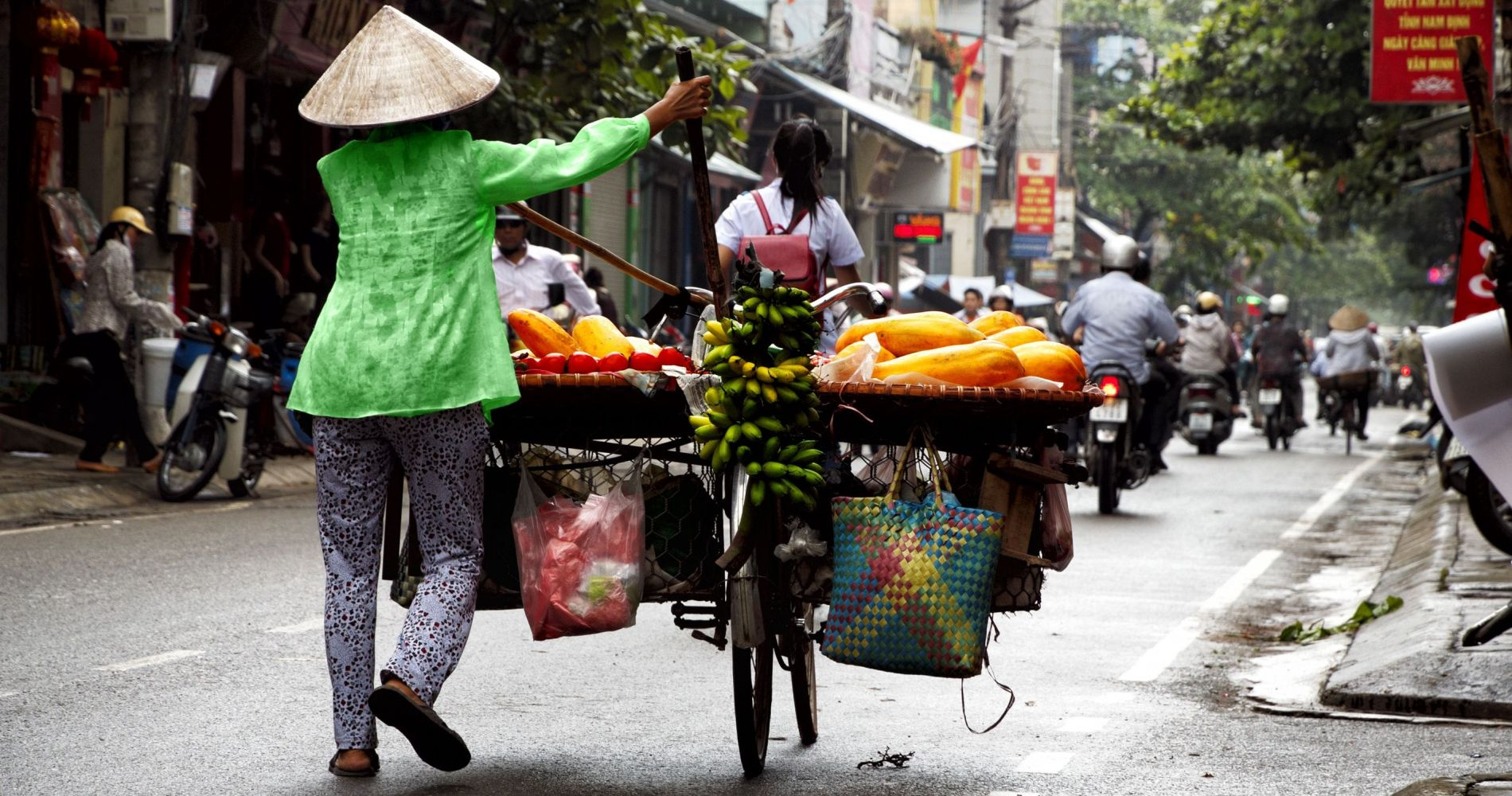 Traditional Hanoi Street Food Experience on Scooters for 2