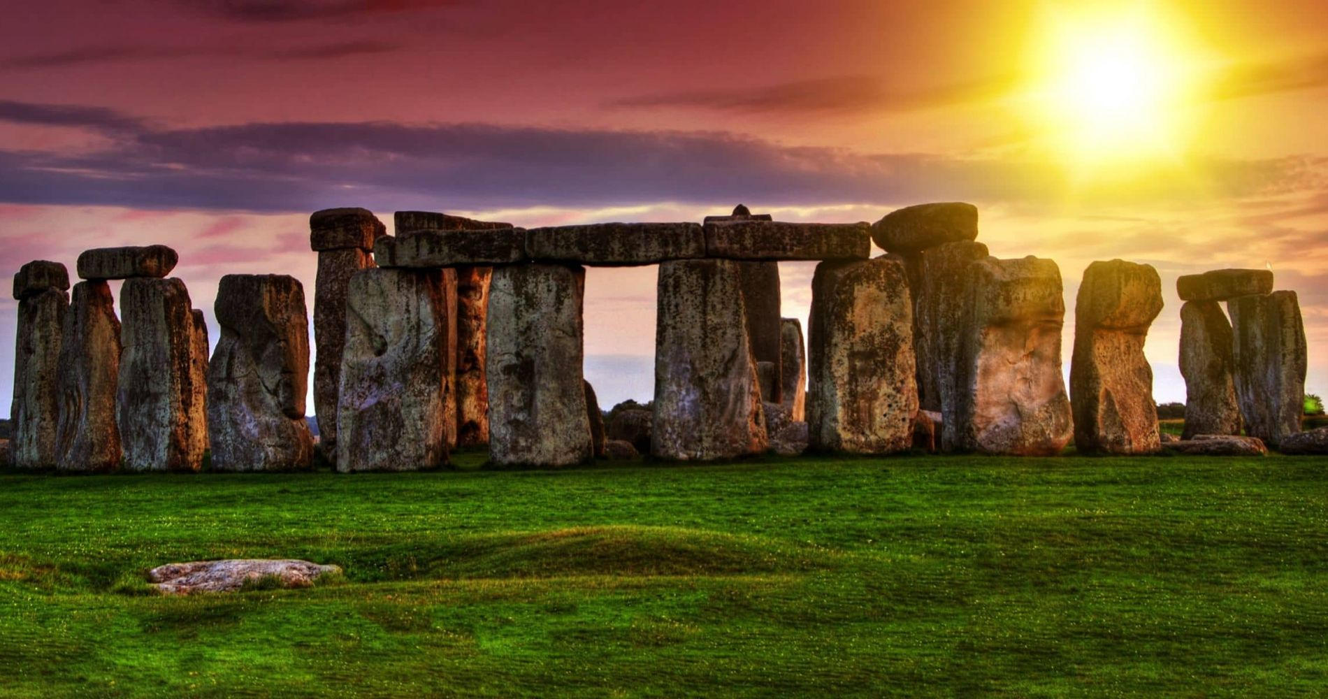 Visit Bath and Discover the Mysterious Stonehenge in The UK