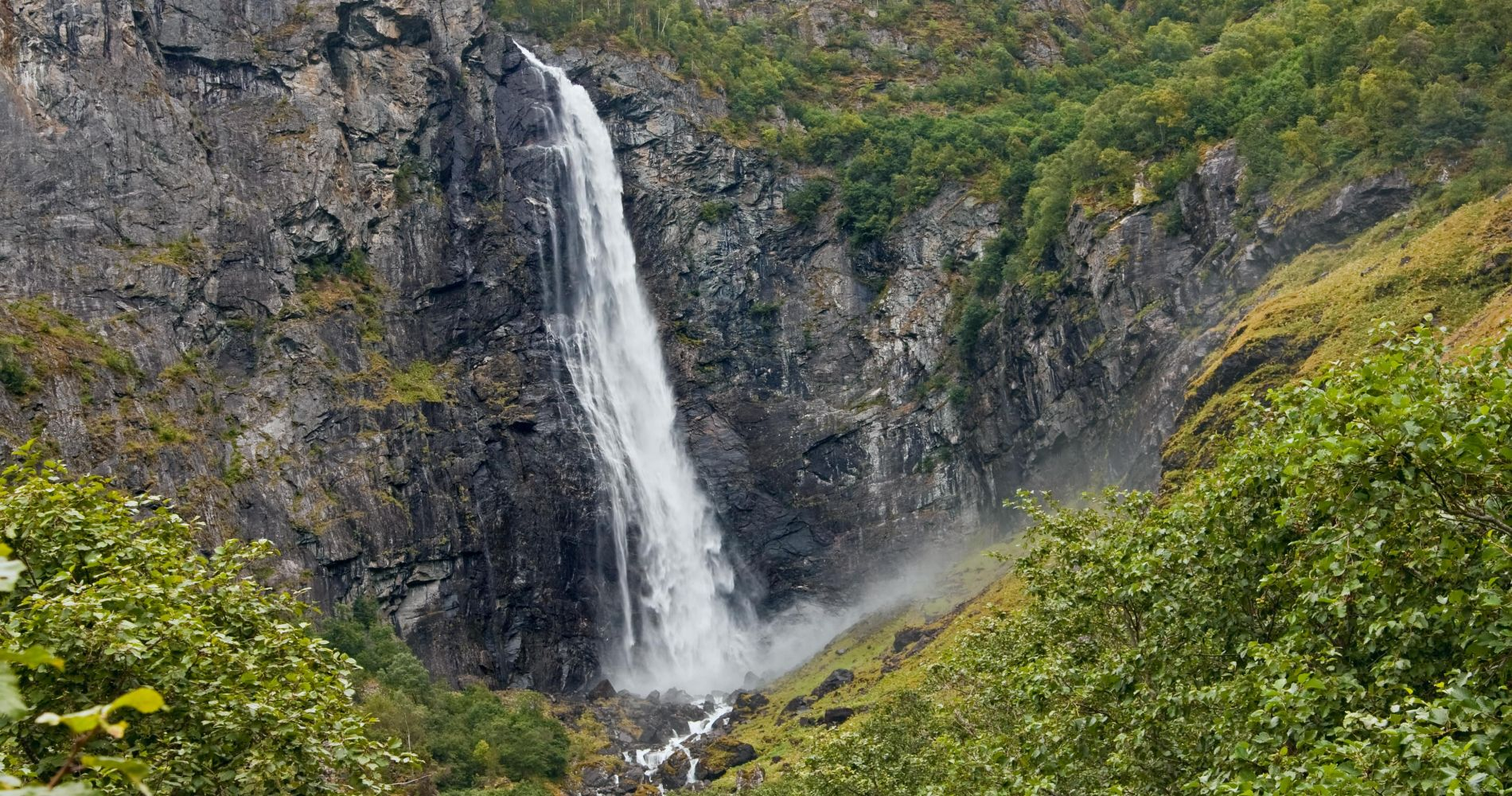 Spectacular Fjord and Waterfall Experience in Norway
