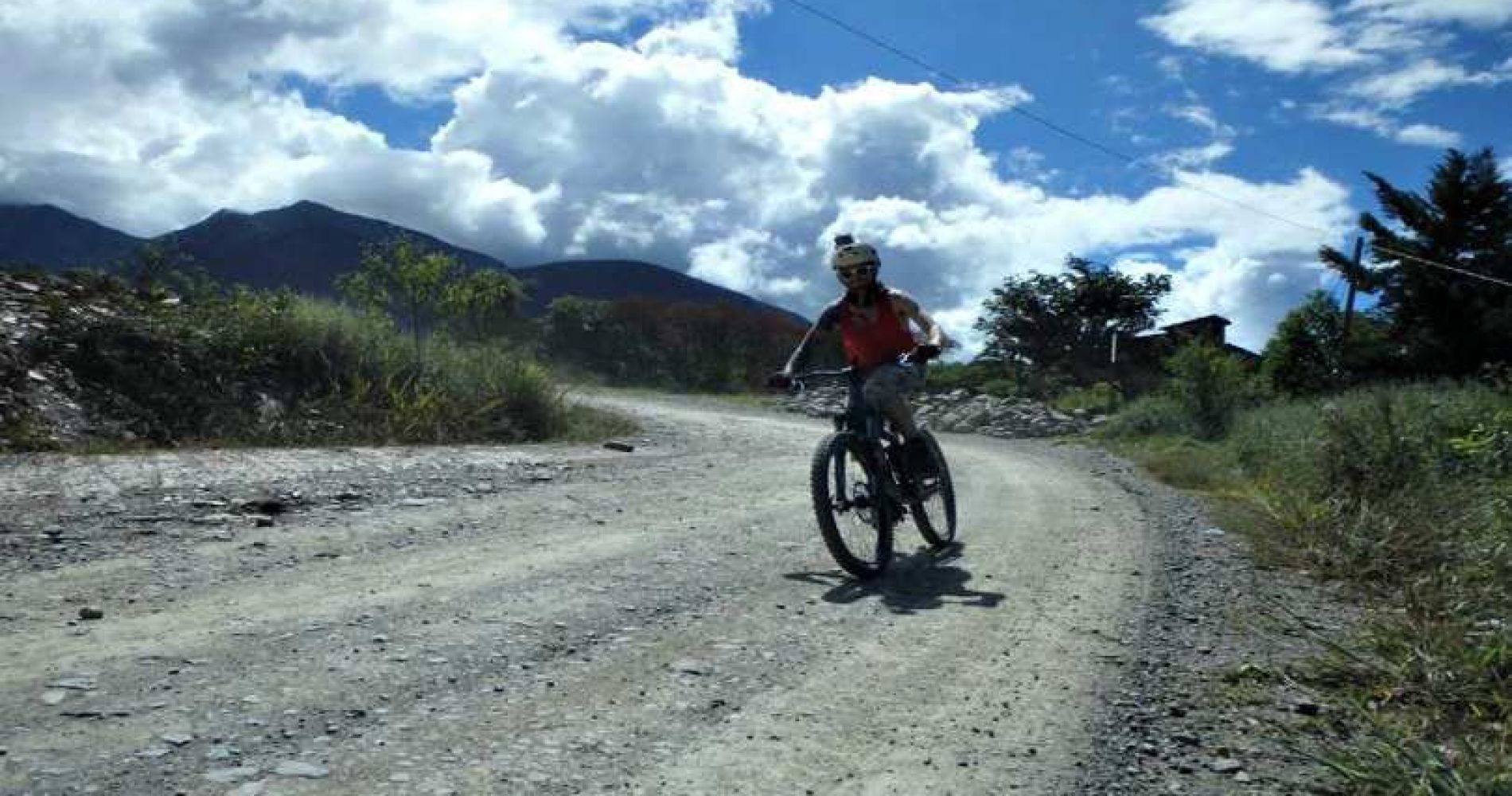 Death road Mountain biking Tinggly Experience Gifts