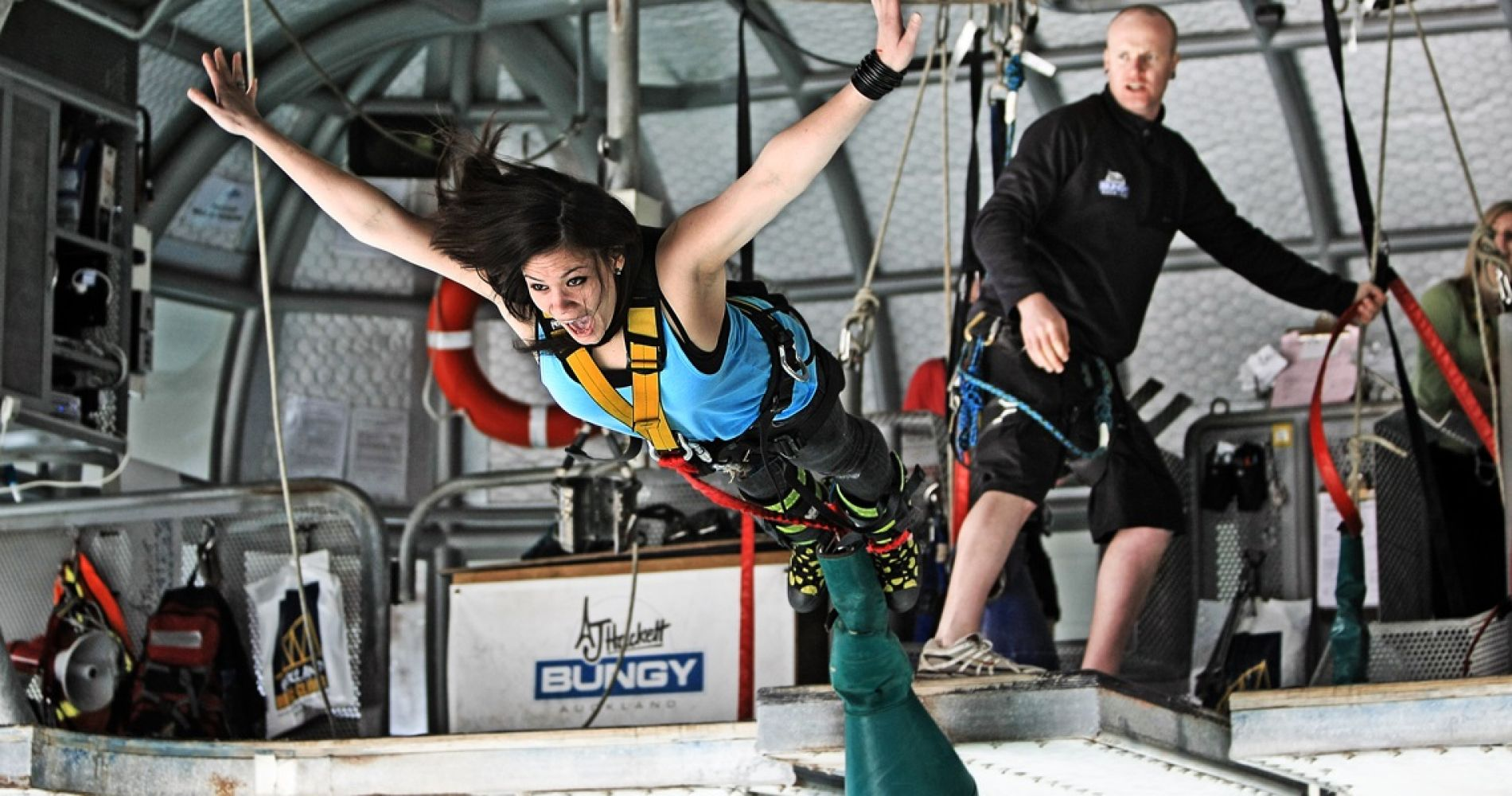 Thrilling Auckland Bridge Bungy Jump tinggly experience gift