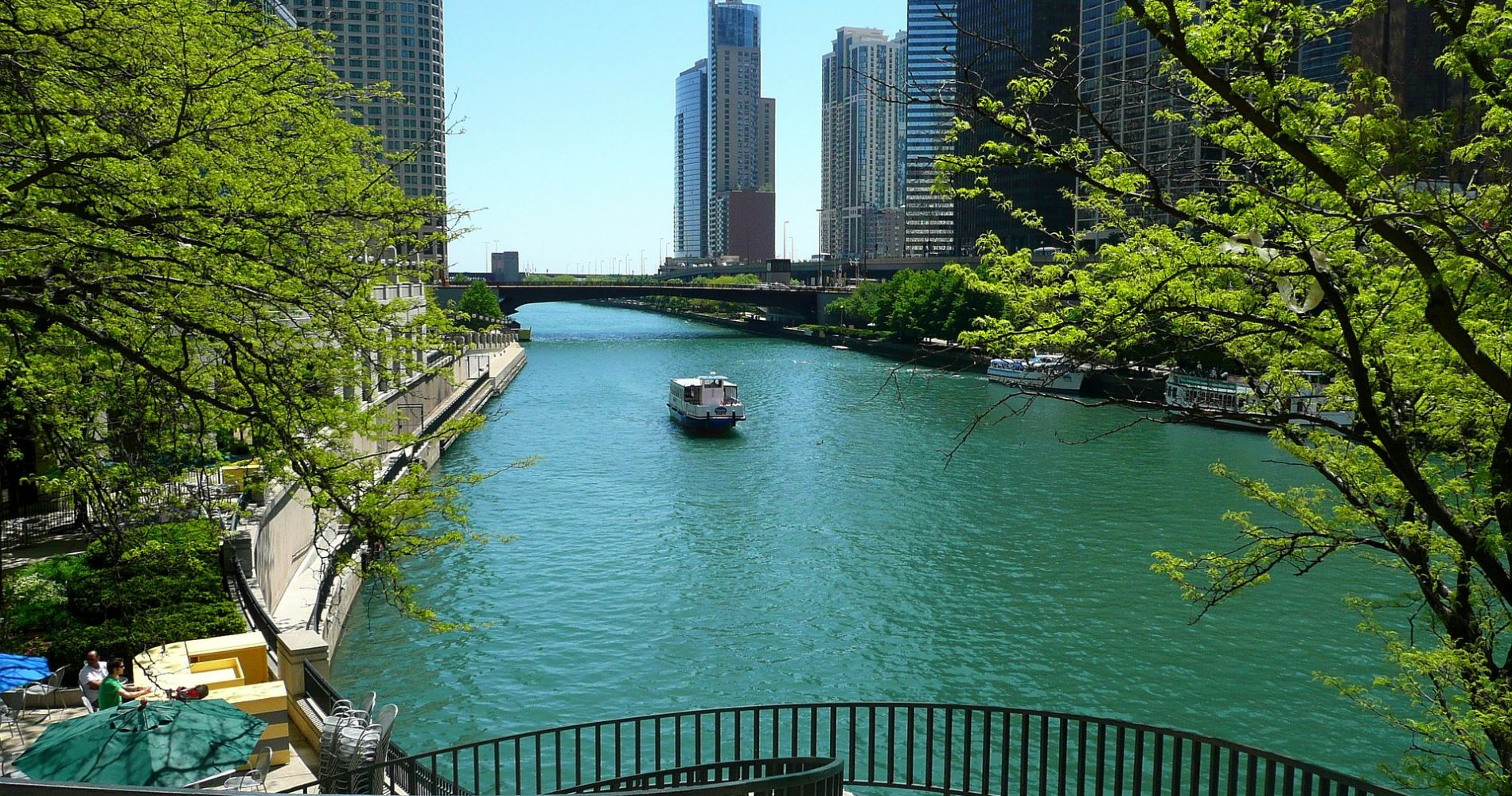 Historical Chicago Kayaking Tour tinggly experience gift
