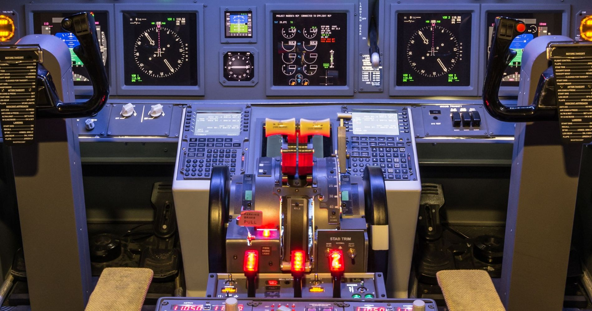 Unique 30 mins. Experience with 737 Flight Simulator in the UK for Two