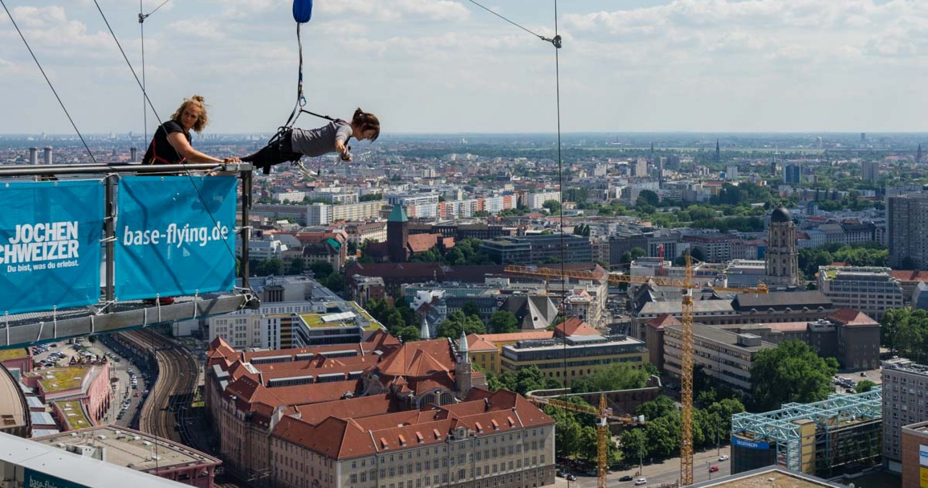 Base Jump Flying Berlin Tinggly Experience Gift