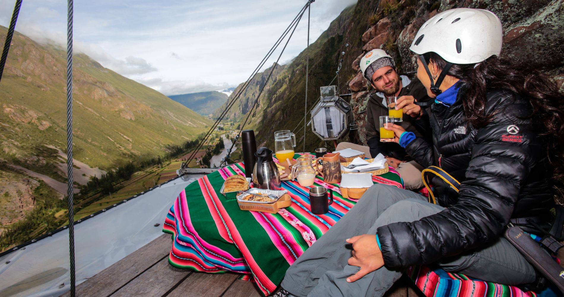 The Overnight Stay in Unique Skylodge