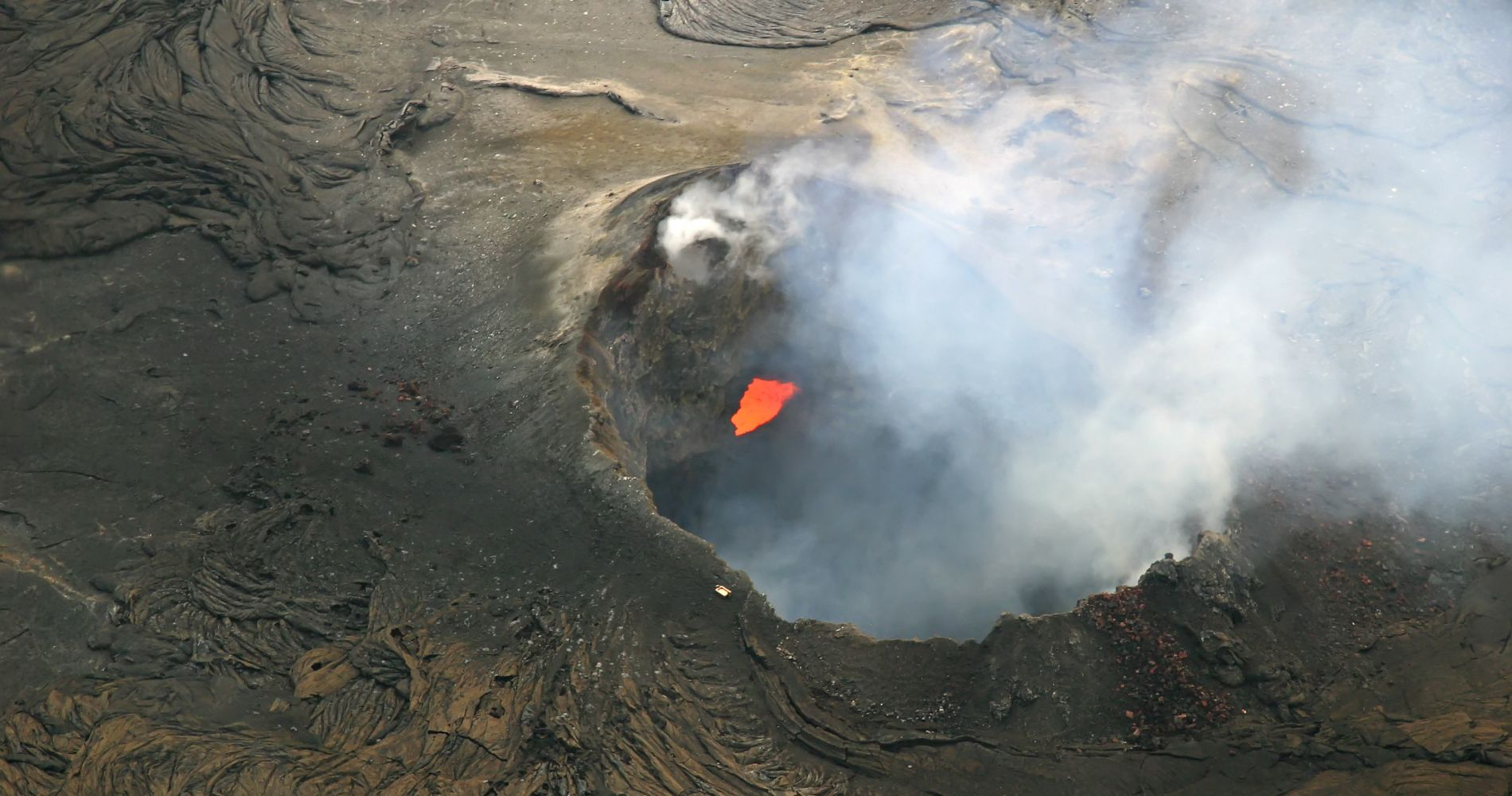 Volcanoes and Waterfalls Helicopter Adventure from Hilo