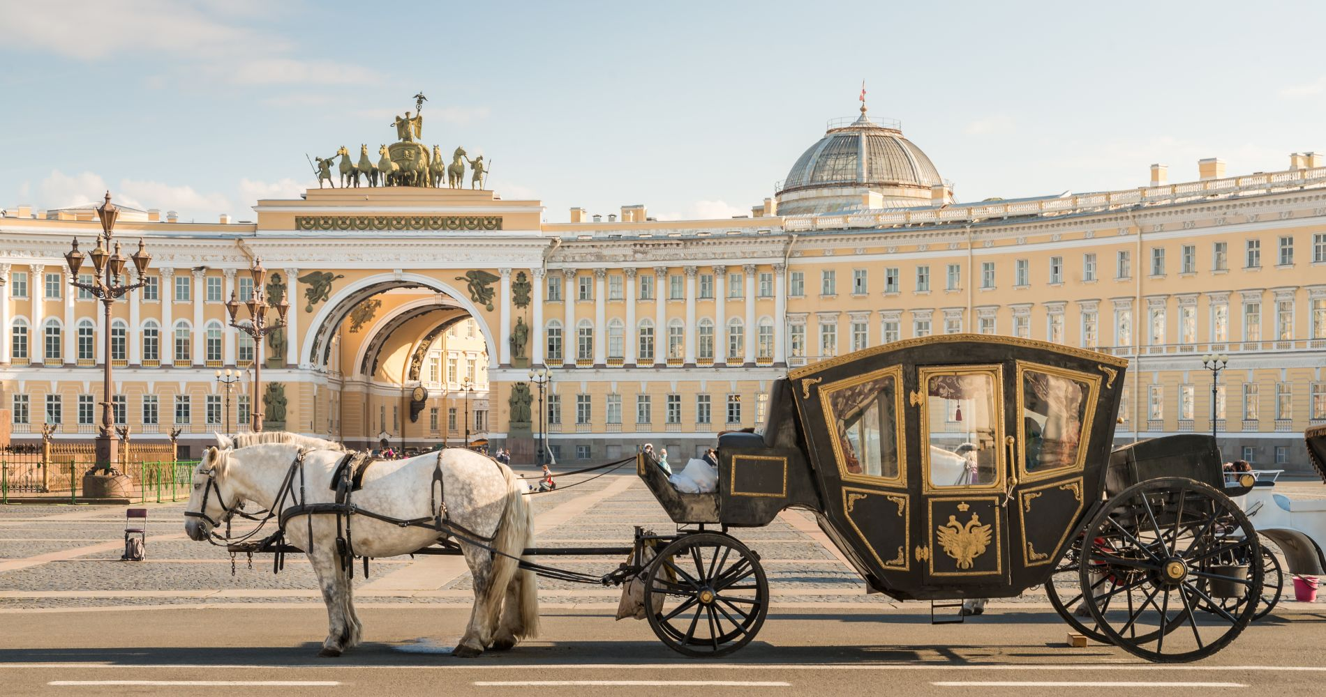 Hermitage museum walking tour in st petersburg tinggly for Tour hermitage