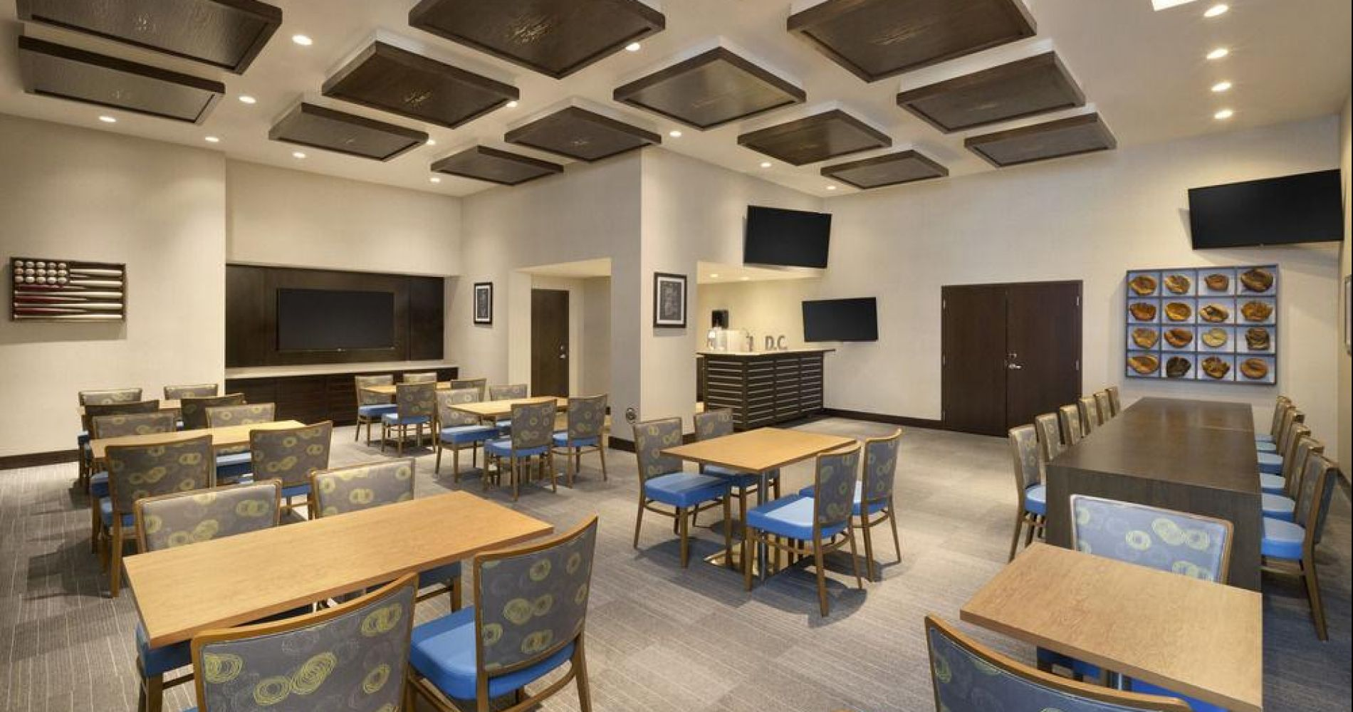Hampton Inn & Suites Washington, D.C. - Navy Yard