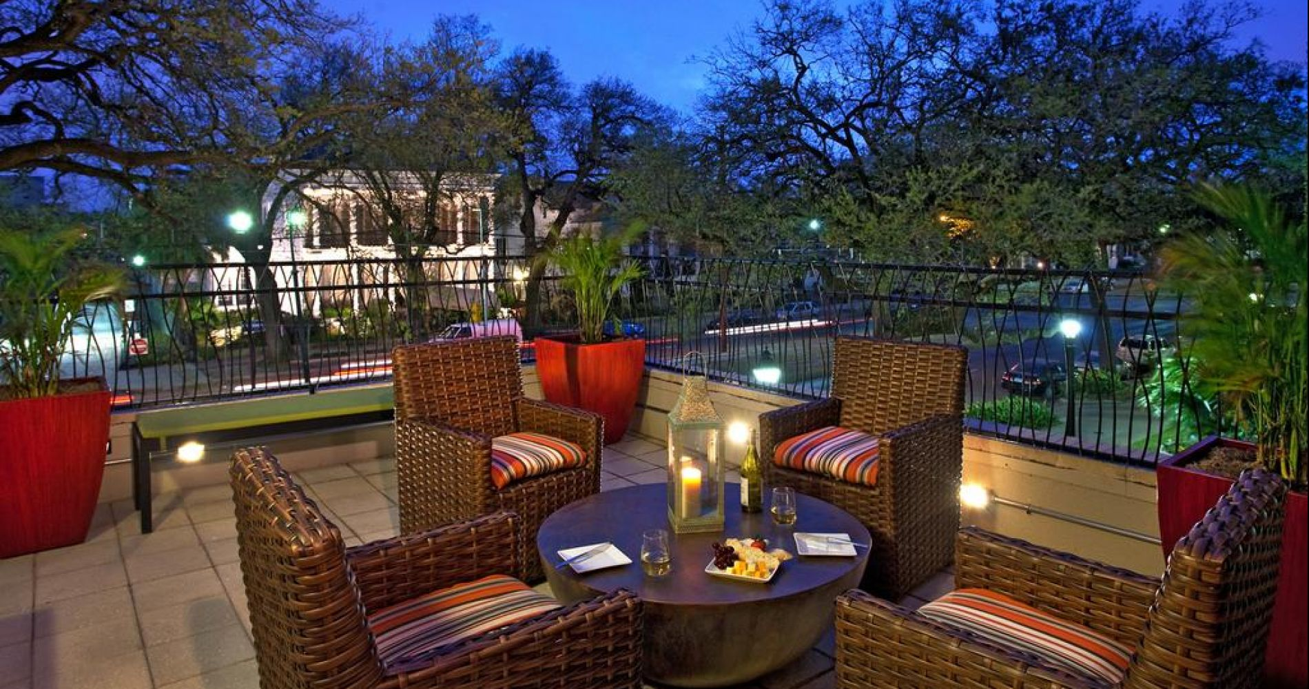Hotel Indigo New Orleans Garden District Best Hotels And Overnight Stays By Tinggly