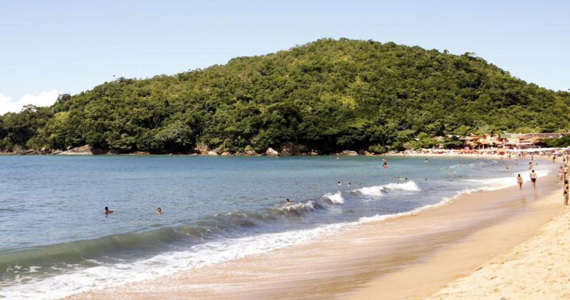 Fishing Village Beach Trek & Snorkeling Adventure from Paraty