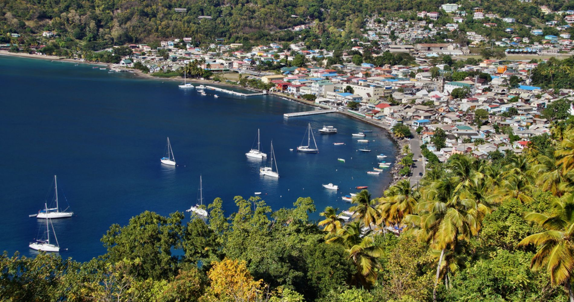 St. Lucia Speed Boat & Sightseeing Tour to Soufriere