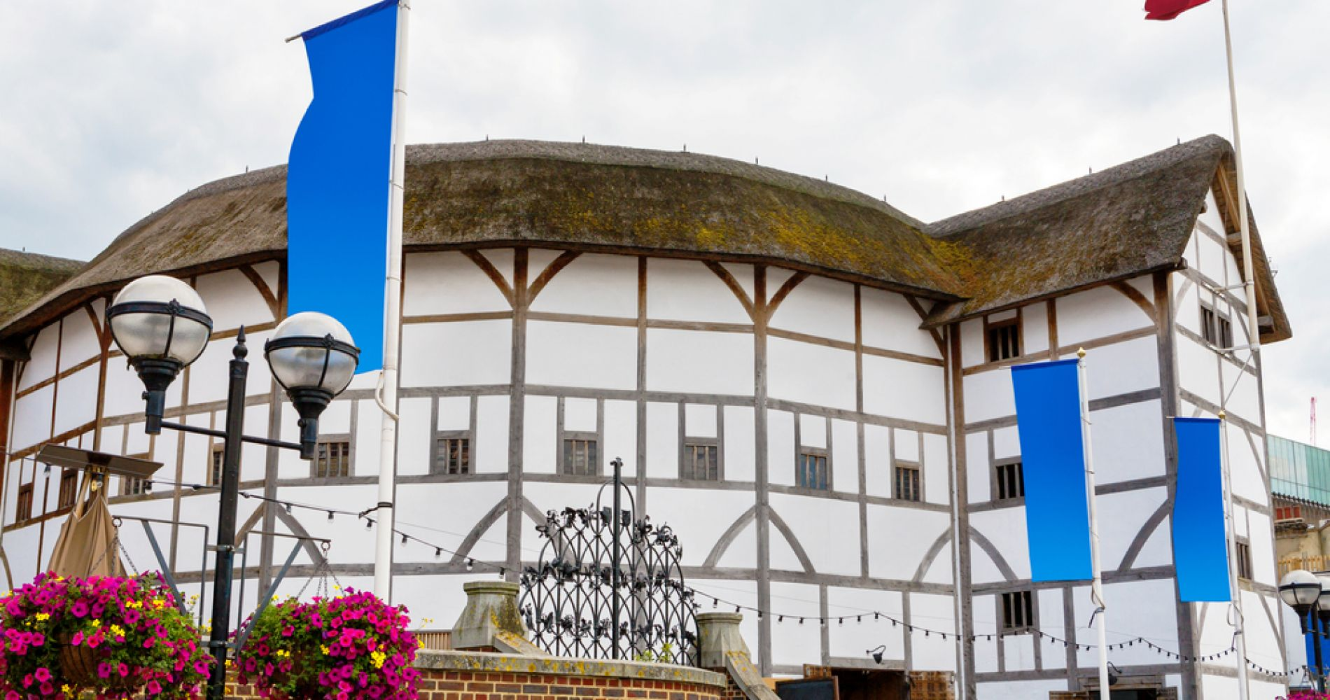 Shakespeare's Globe plus Afternoon Tea in London