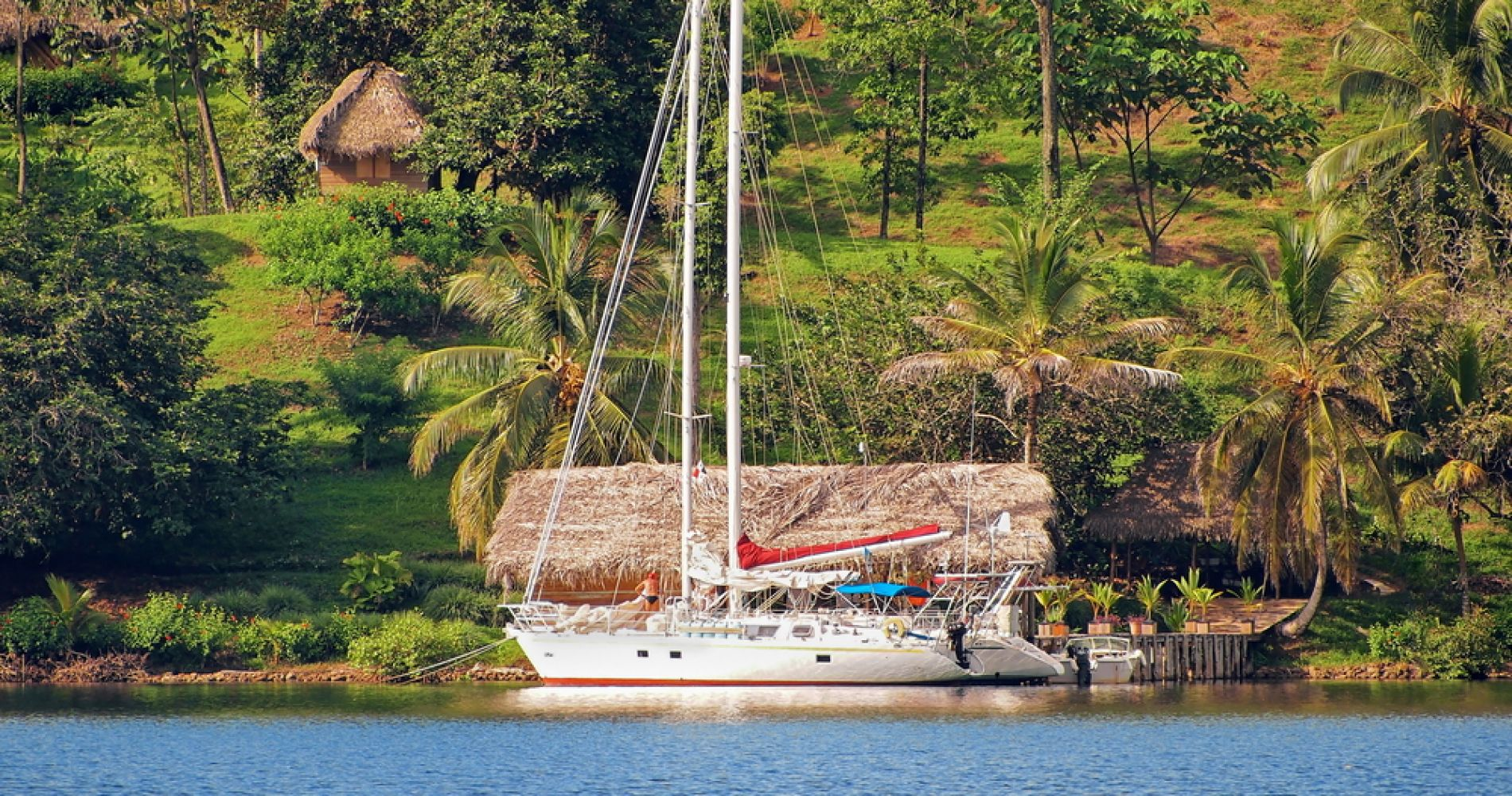 Full-Day Taboga Island Catamaran Excursion