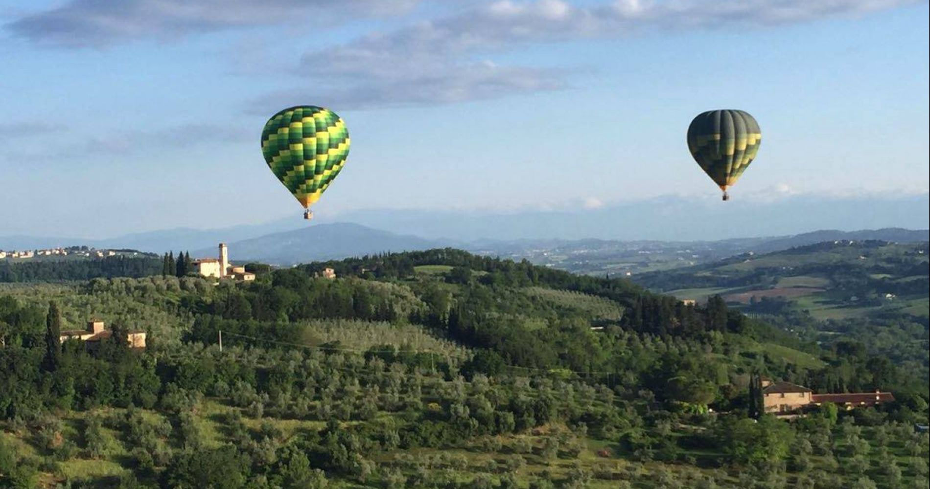 Hot air balloon flight in Tuscany