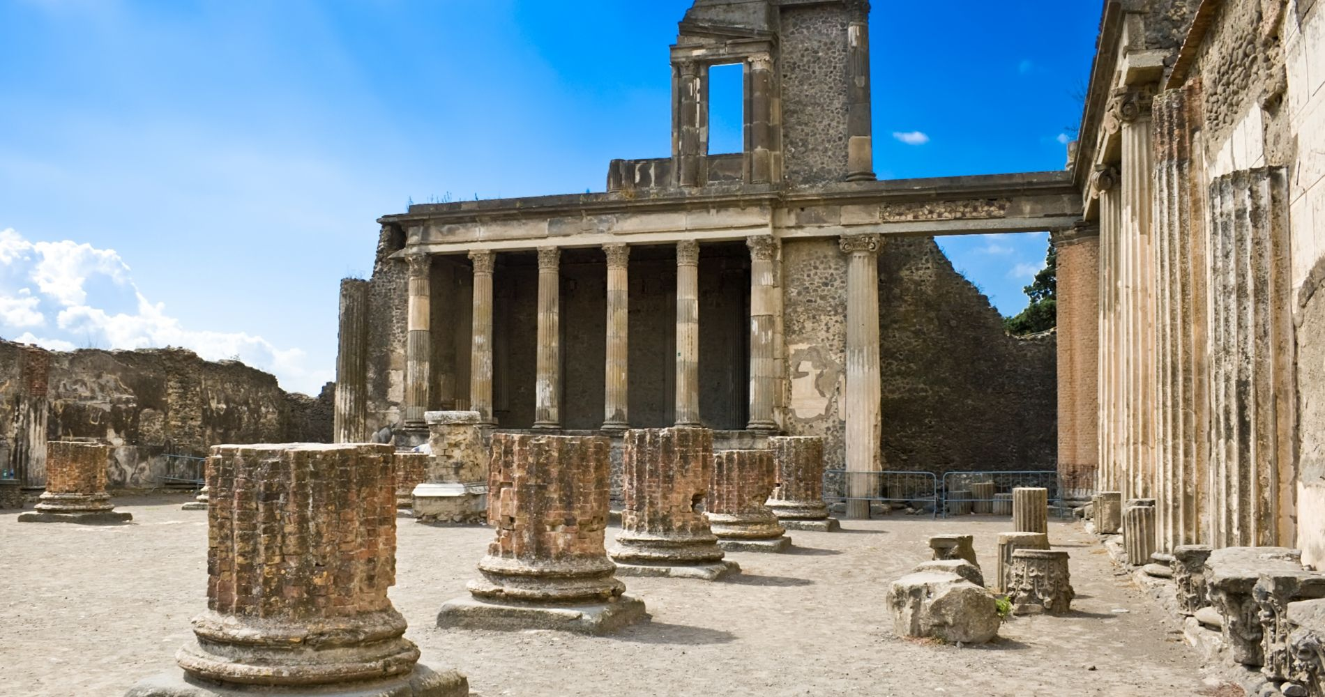 Pompeii Ruins & Mount Vesuvius Day Experience from Naples