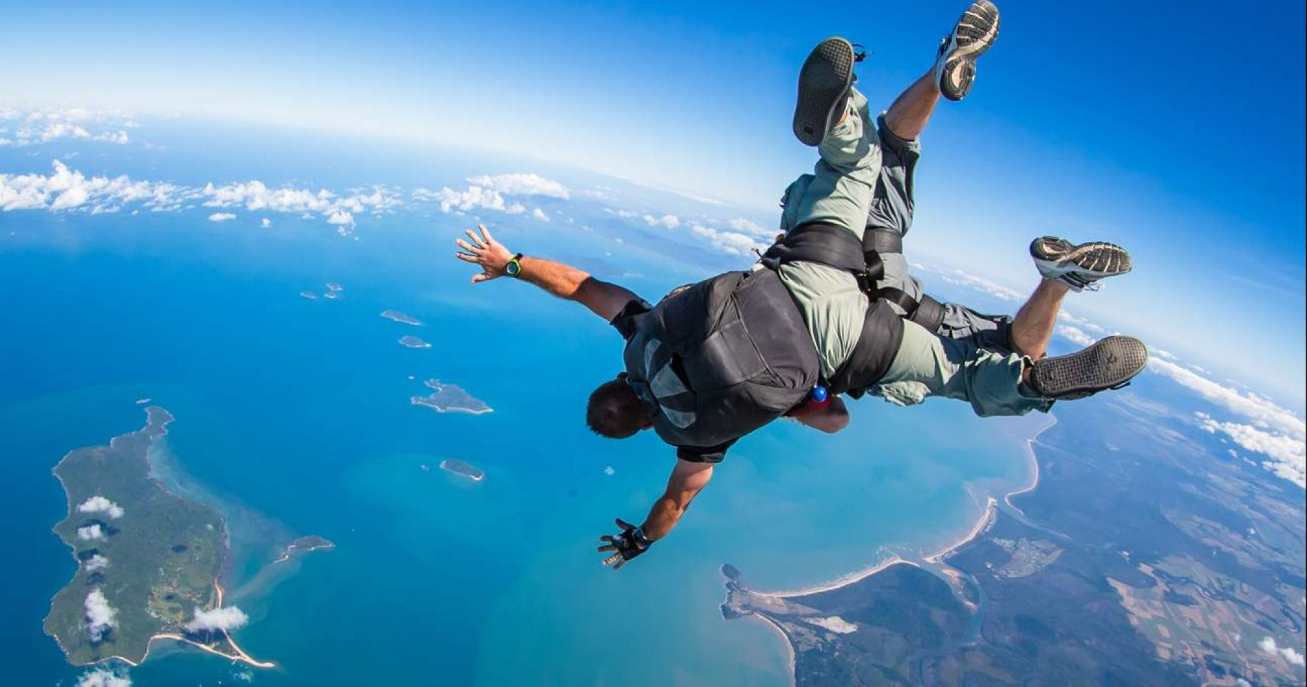 Tandem skydive in Cairns