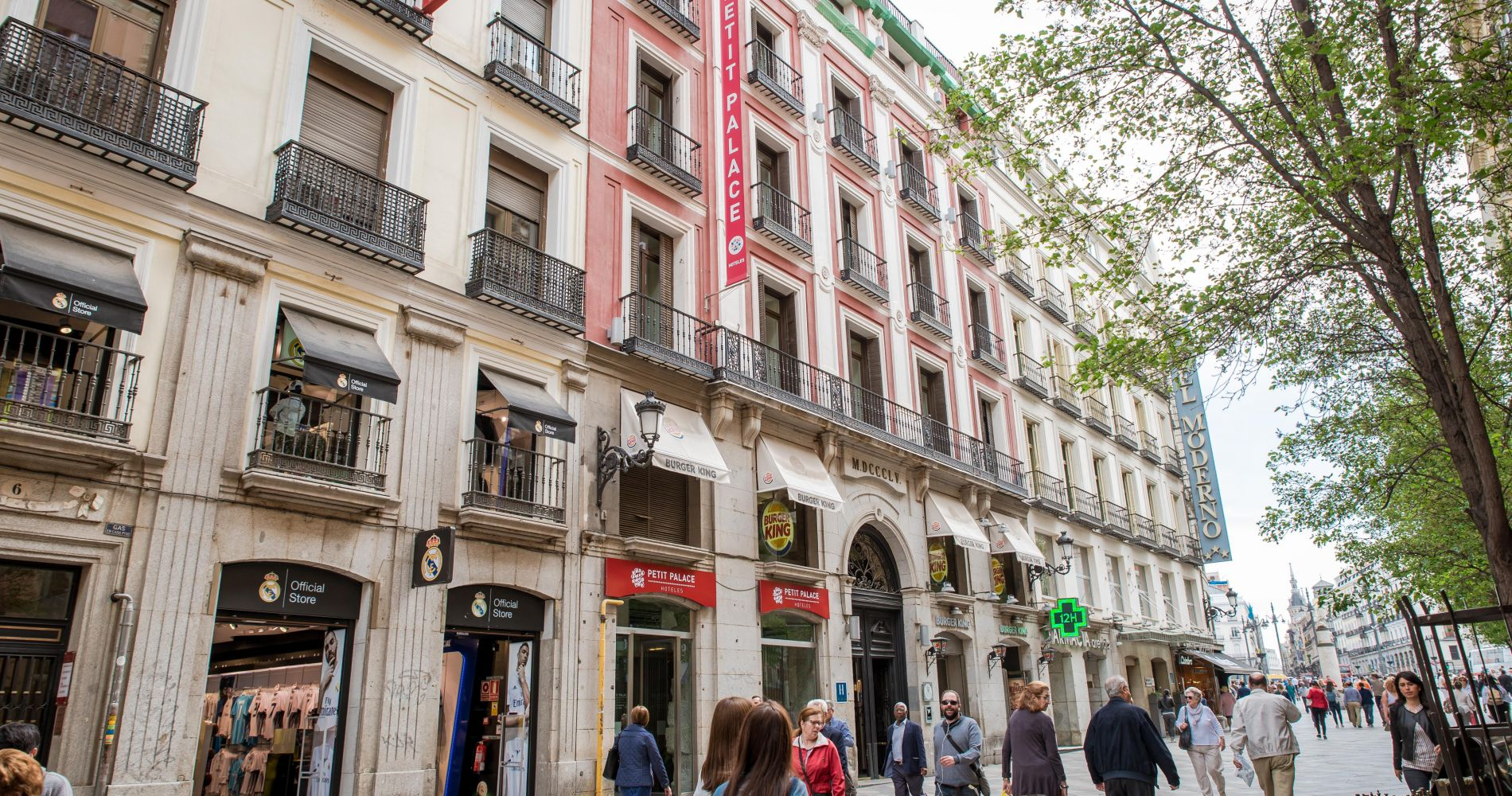 Petit palace puerta del sol best hotels and overnight for Hotel calle arenal madrid