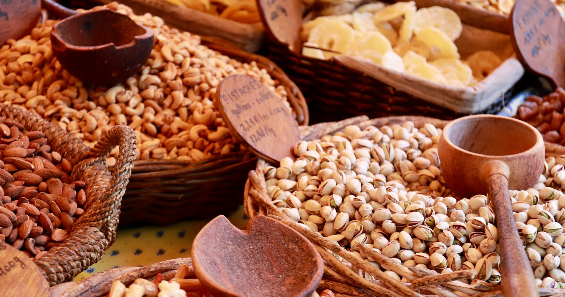 Luberon Markets & Fontaine de Vaucluse Day Tour from Marseille for Two