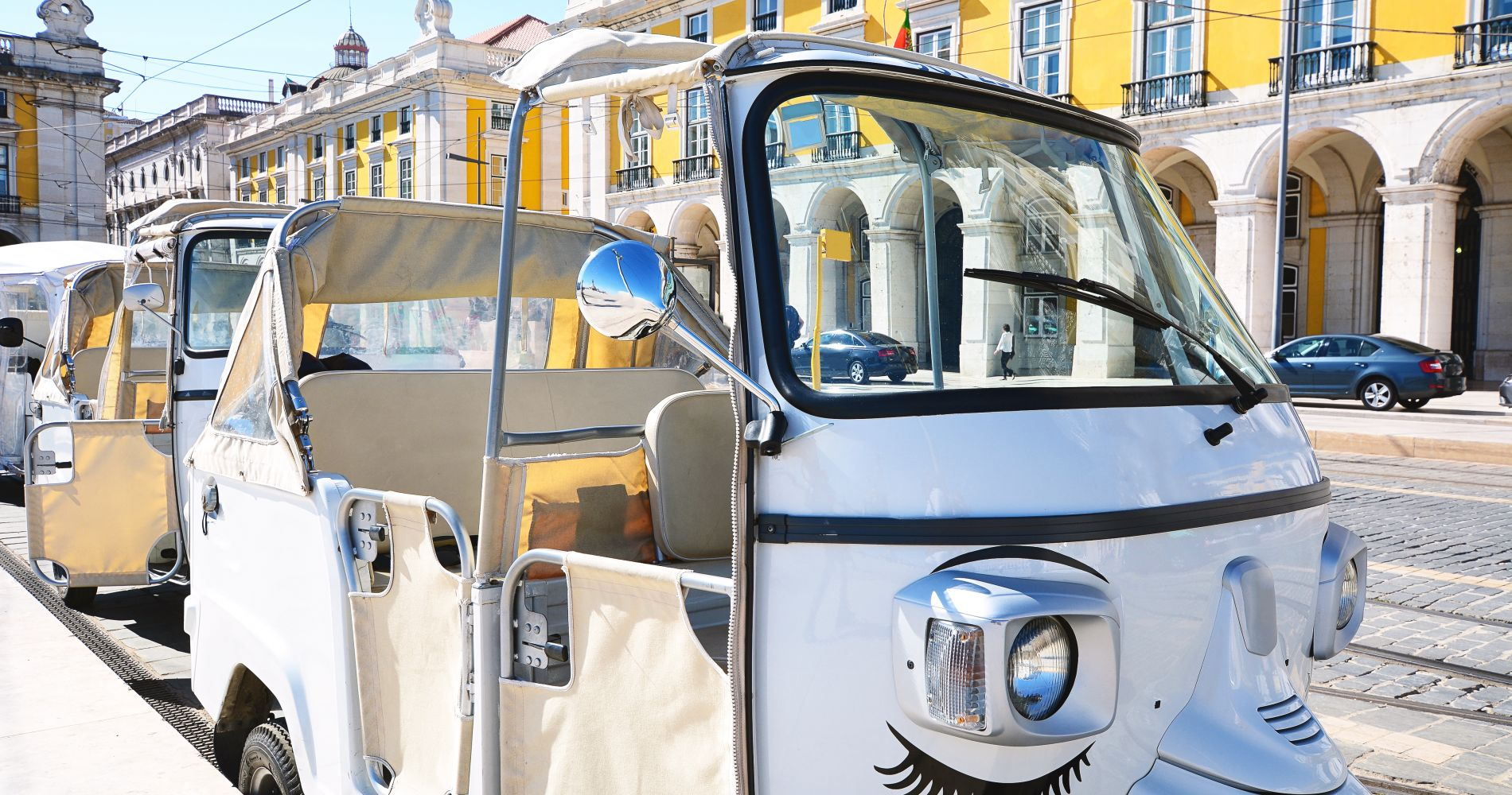 Tuk Tuk Private Food Tour in Lisbon for Two