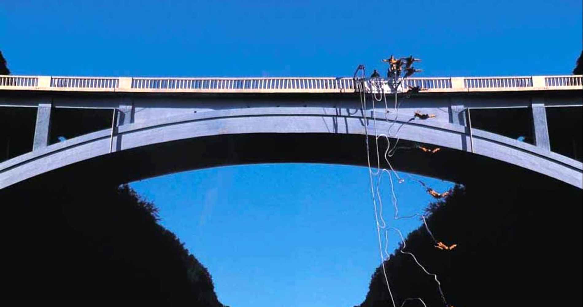 Bungee jumping on the Pont de Ponsonnas bridge