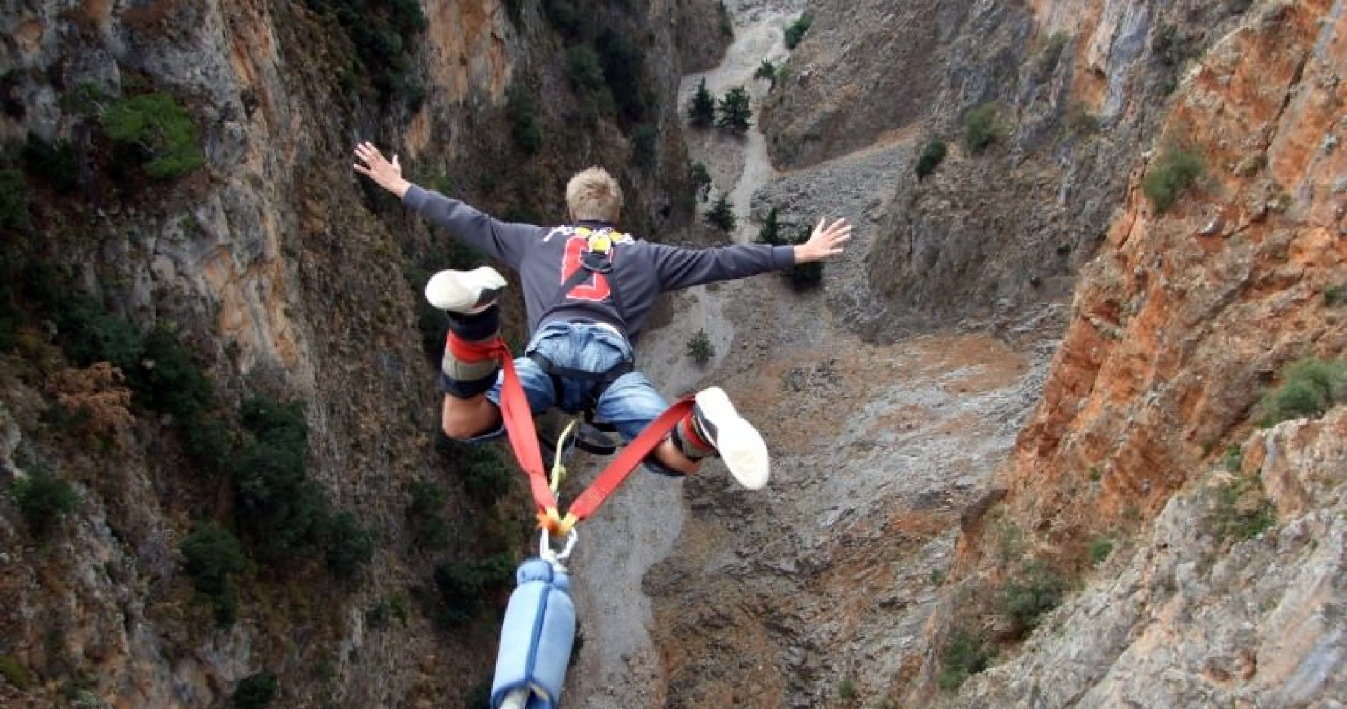 Bungee jump from Aradaina Bridge for Two