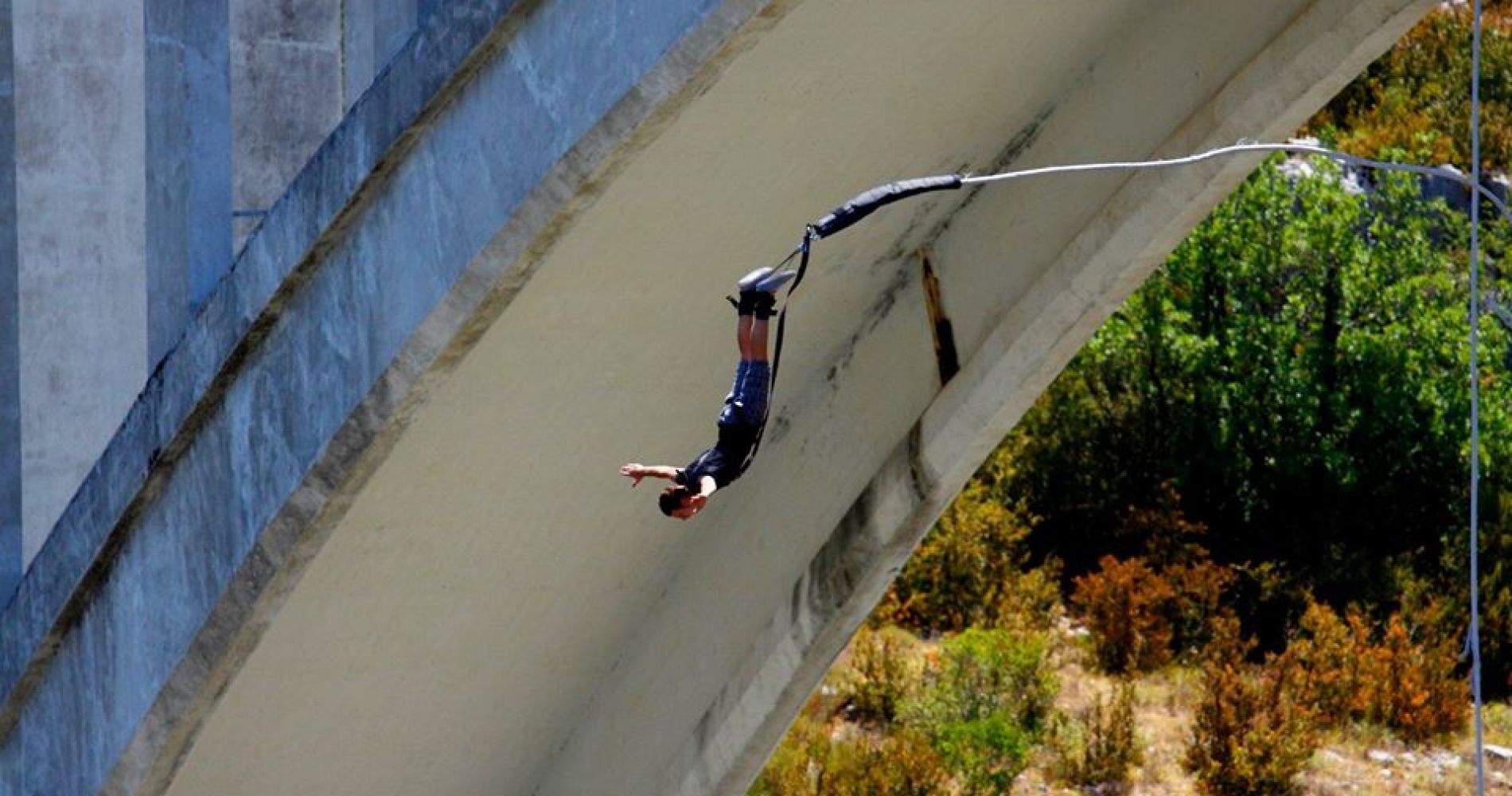 Bungee jump from Artuby Bridge