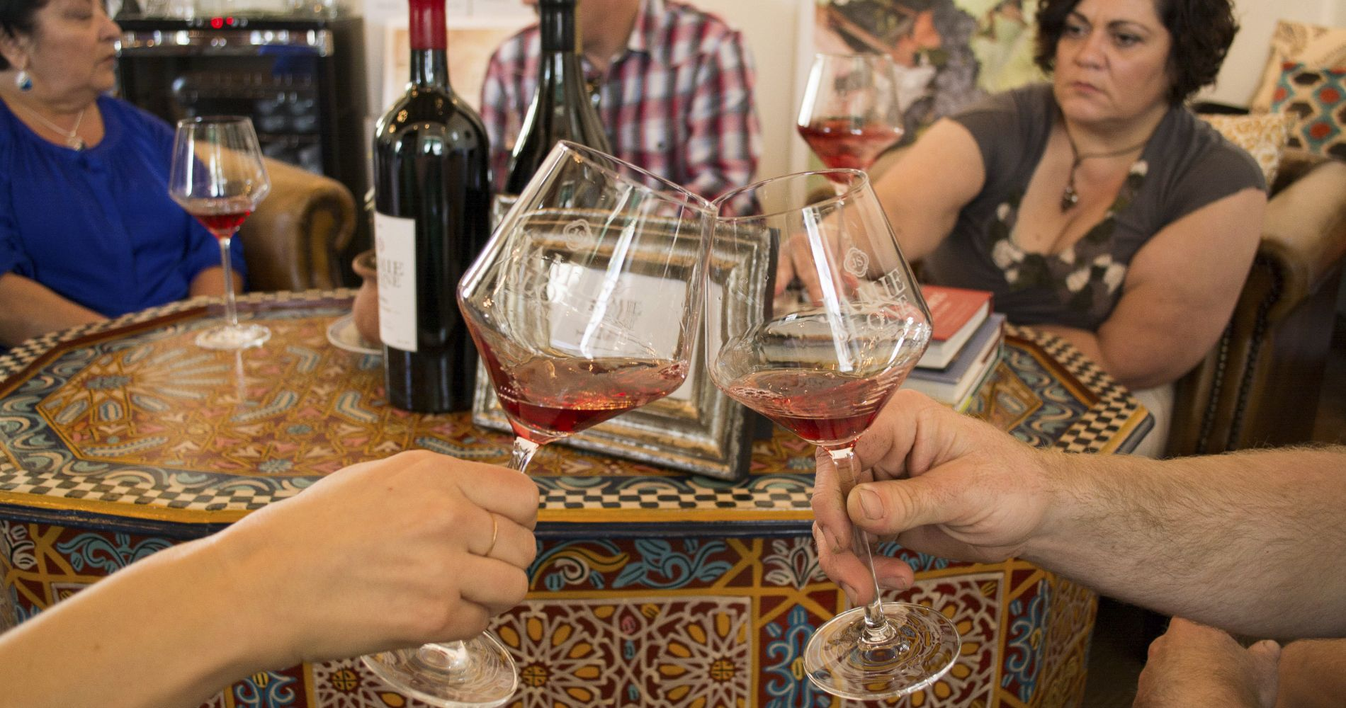 El Paseo Wine & Photo Tour in Santa Barbara