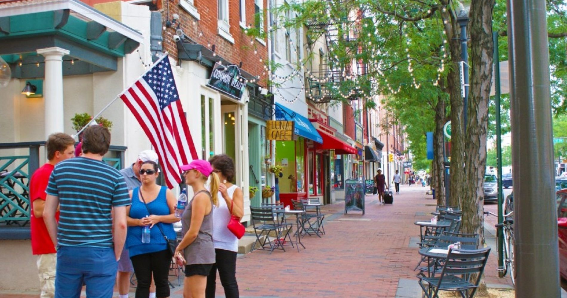 Ultimate Philly Tour: Markets, History & Beer