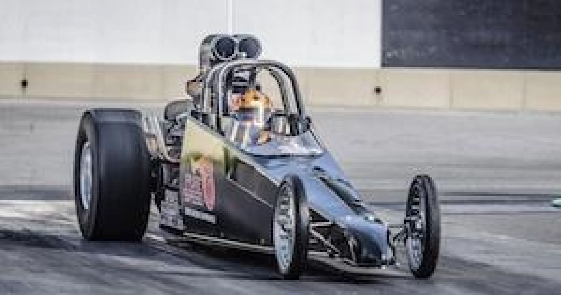 Drag Racing Driving Experience in Multiple Locations across United States