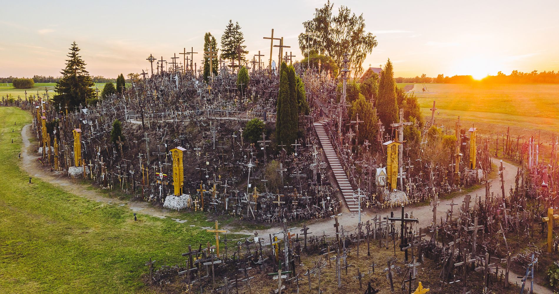 Full-Day Hill of Crosses Tour from Vilnius for Two