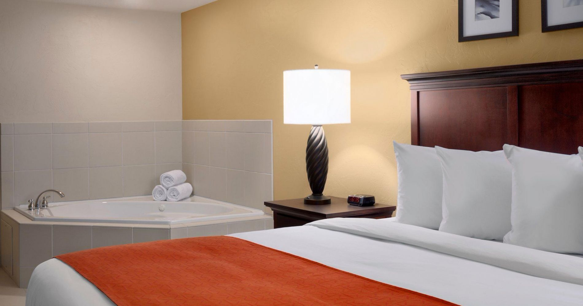 Country Inn & Suites By Radisson, Dover, Oh