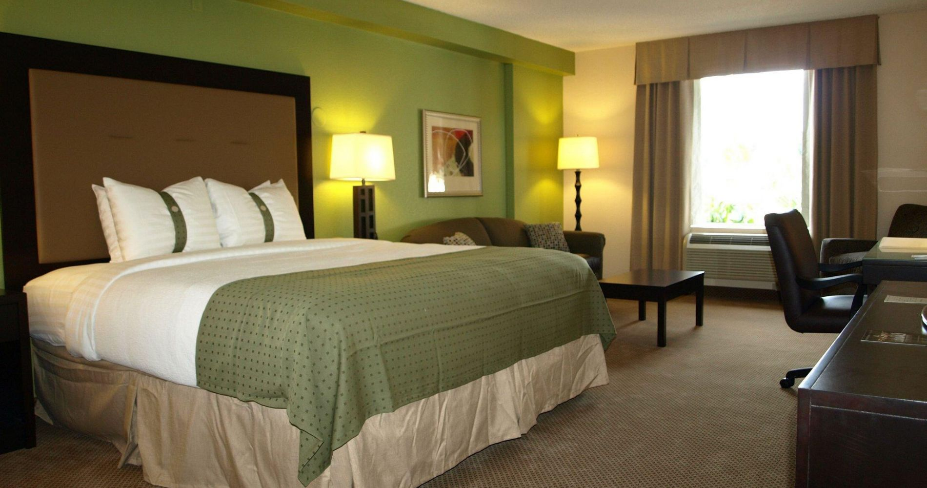 Holiday Inn & Suites Across From Universal Orlando