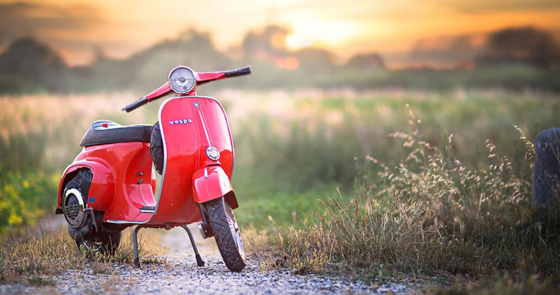 Vespa Tour immersed in Tuscan Tradition for Two