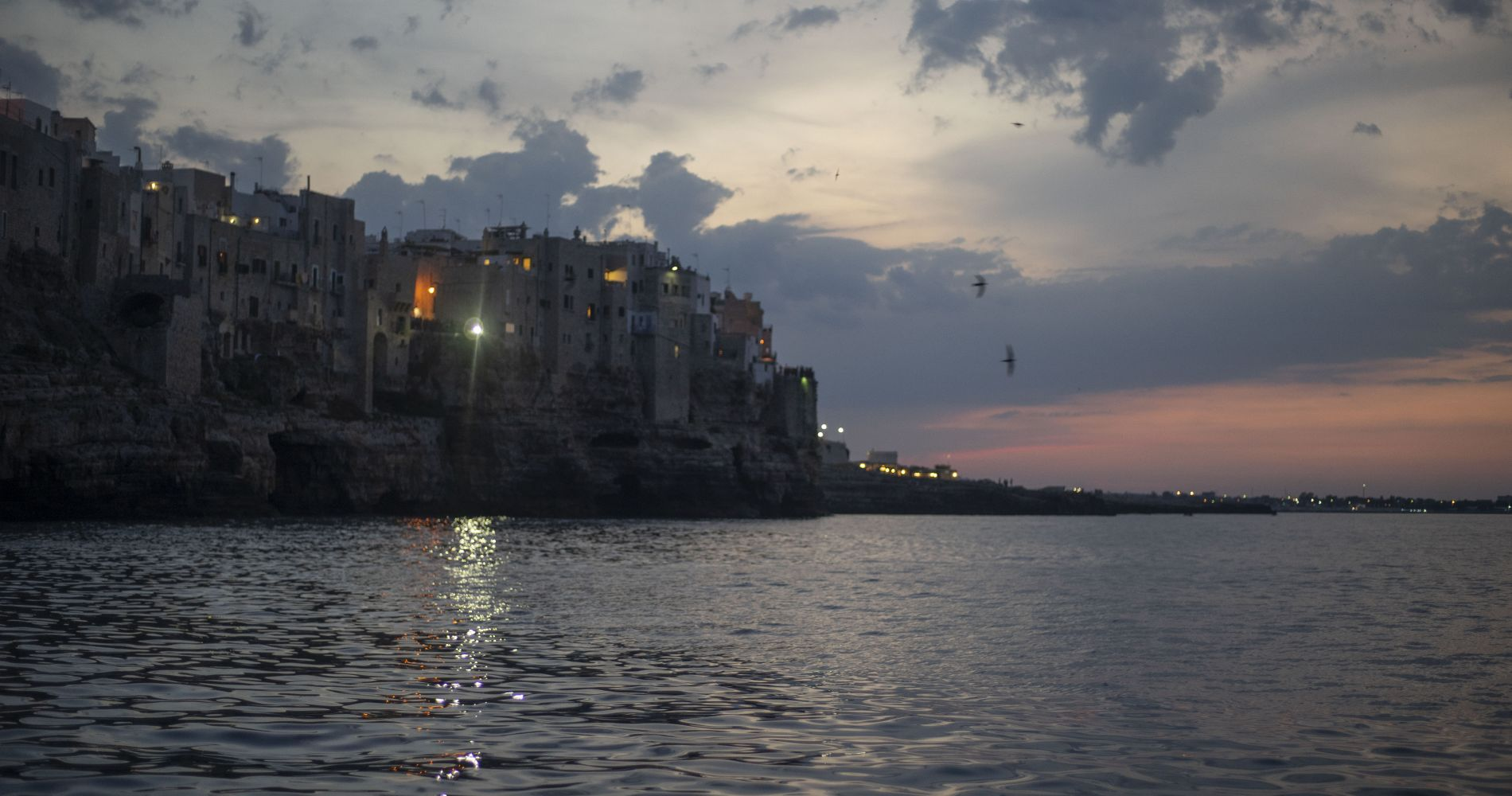 Boat Tour of Polignano a Mare for Two