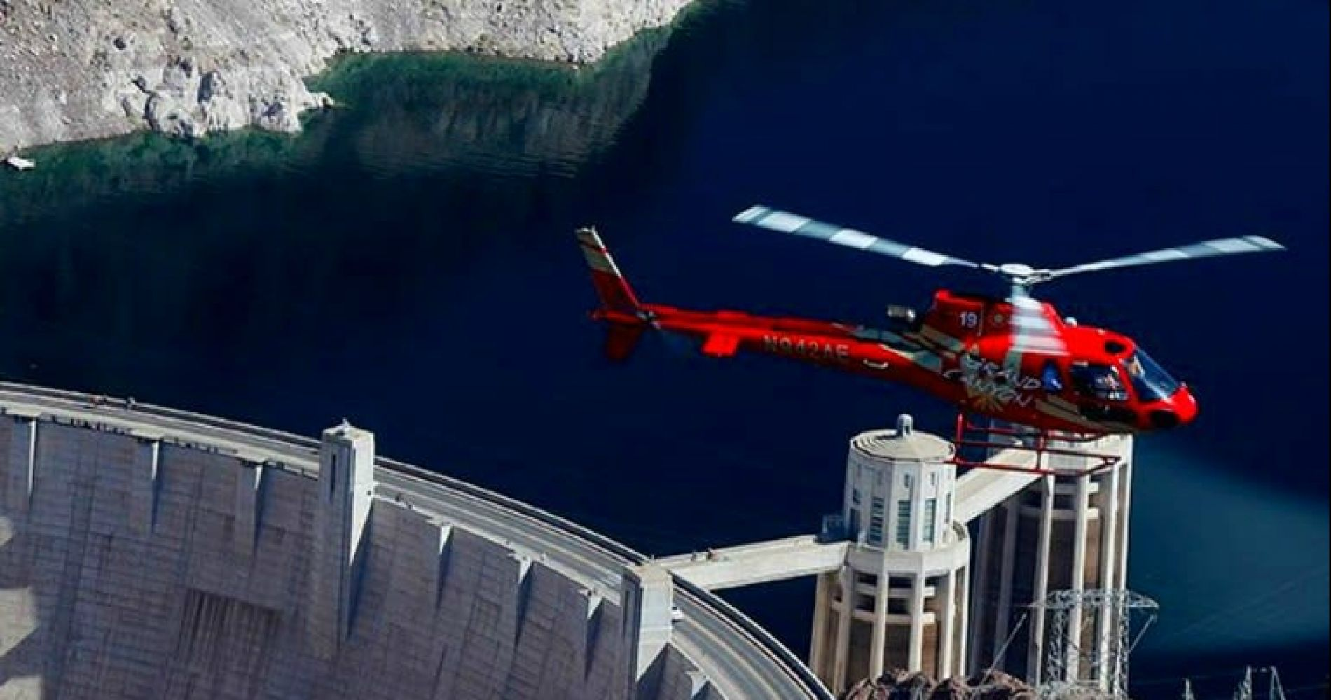 Helicopter and VIP Ground Tour in Hoover Dam for Two