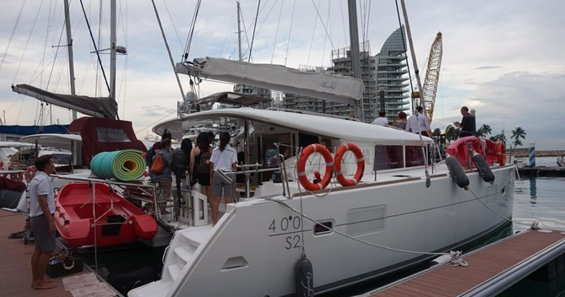 Singapore Sunset Cruise On A Luxury Catamaran