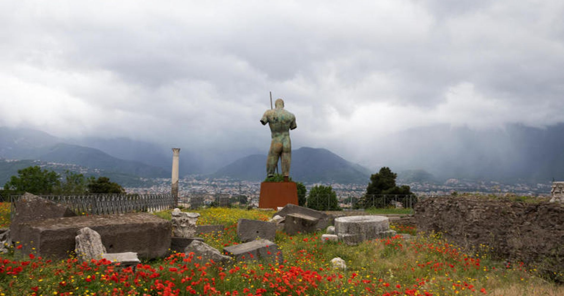 Rome to Pompeii and Mt. Vesuvius with Admission Fees and Lunch