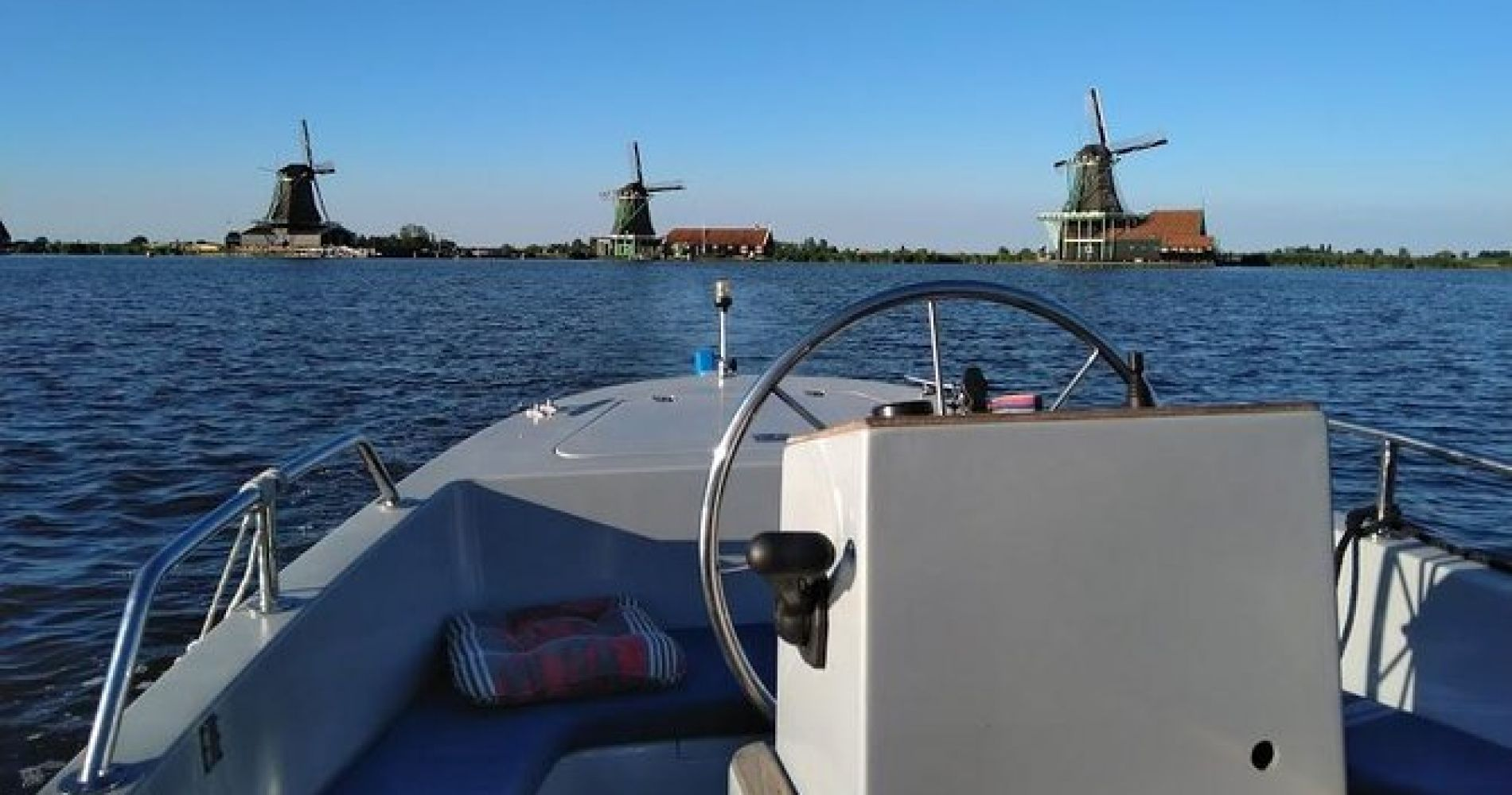 Zaan River Cruise from Amsterdam with 3-Course Meal in Zaandam