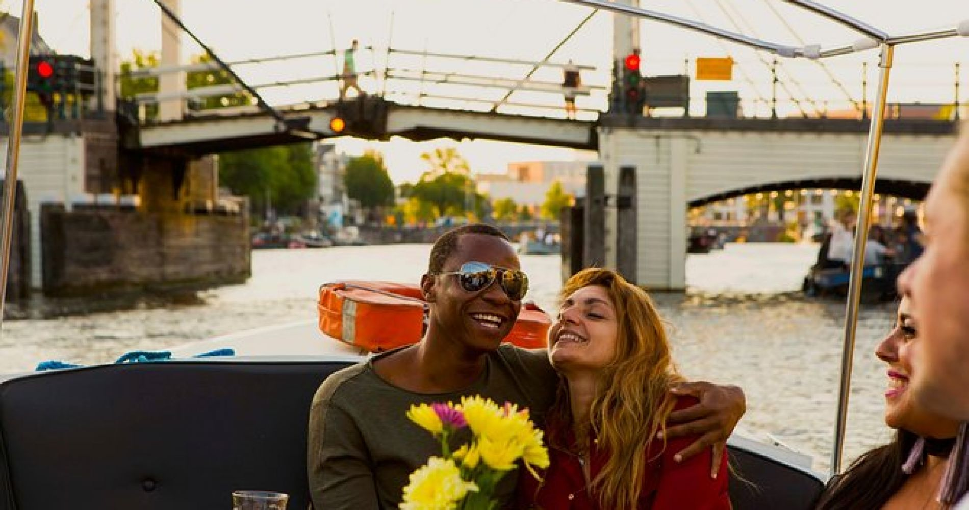Romantic Canal Cruise listen to Stories of Love with Prosecco and Dutch snacks