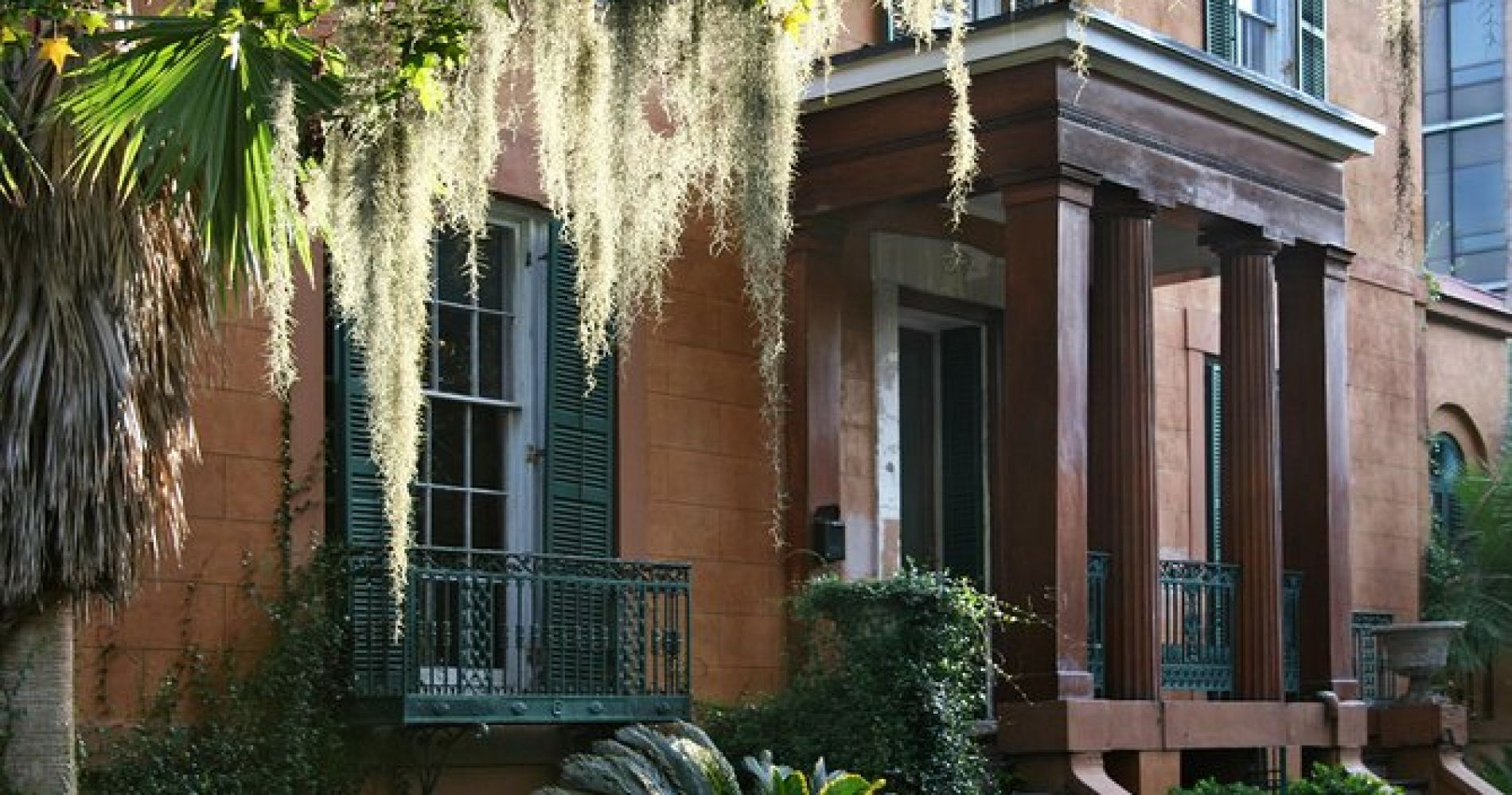Savannah History Hop-On and Hop-Off Narrated Trolley Tour