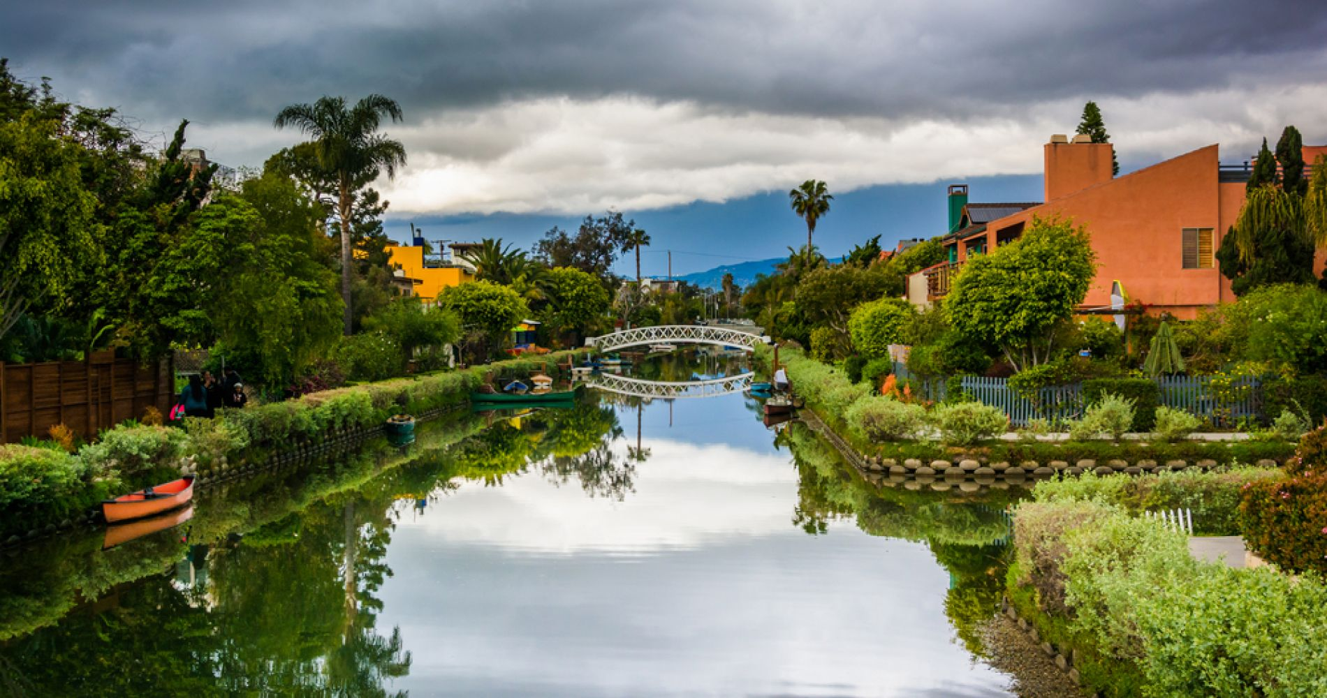 Walk along the Venice Canals in Los Angeles