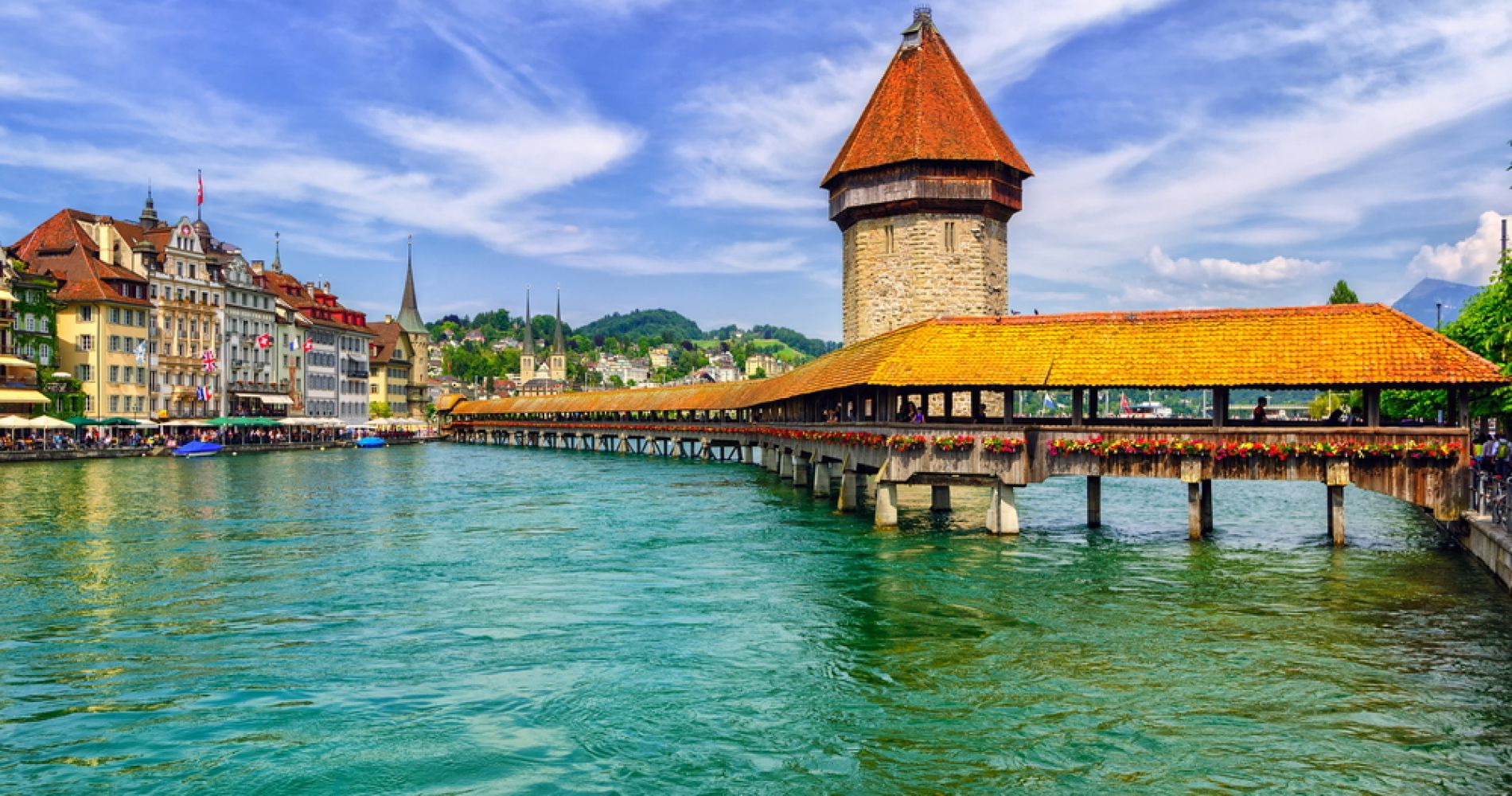 Visit a Beautiful Lake of Lucerne
