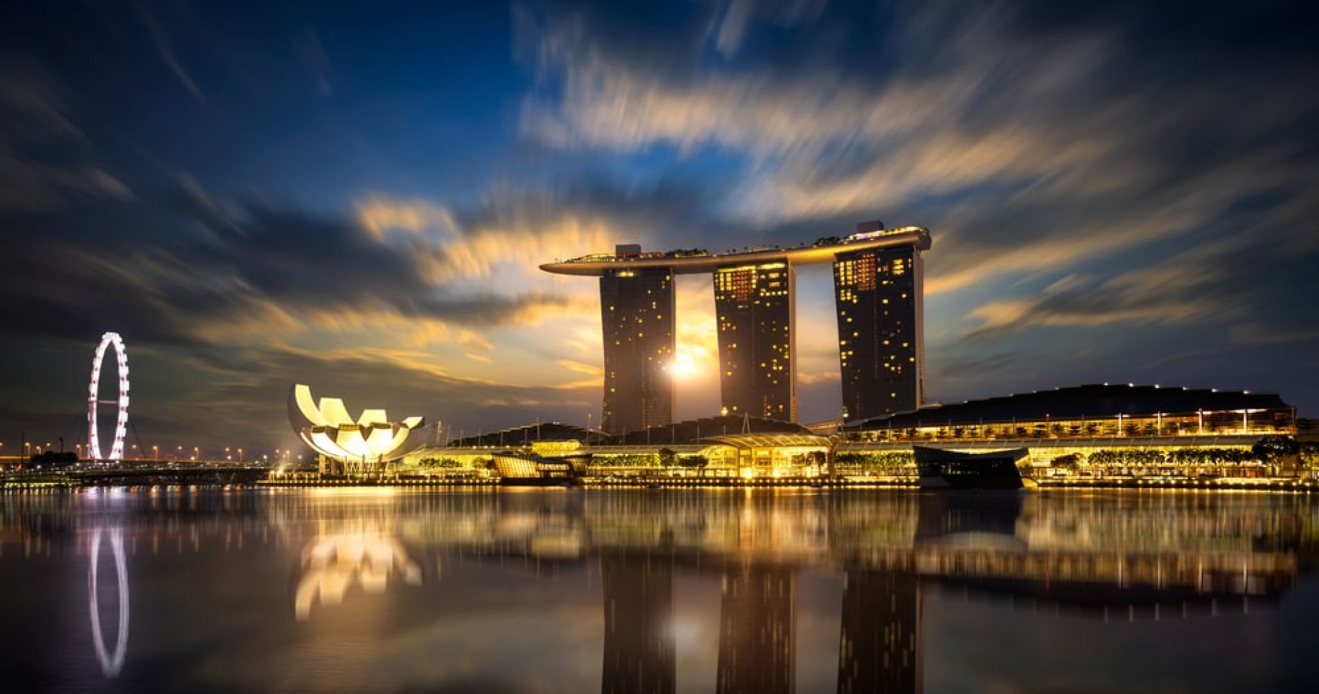 Watch sunrise above Marina Bay Sands in Singapore