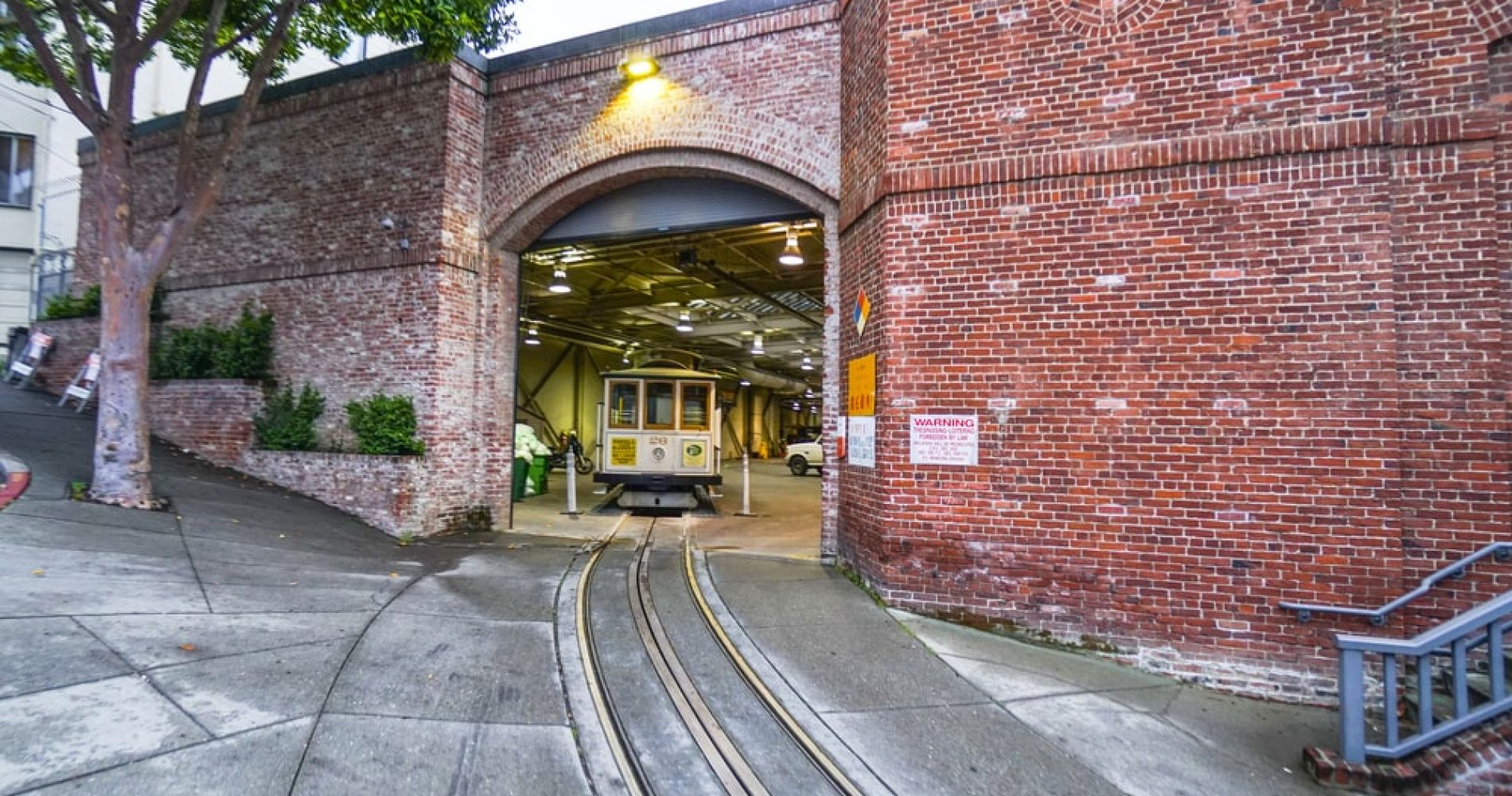 Visit Cable Car Museum and/or Railway Museum in San Francisco