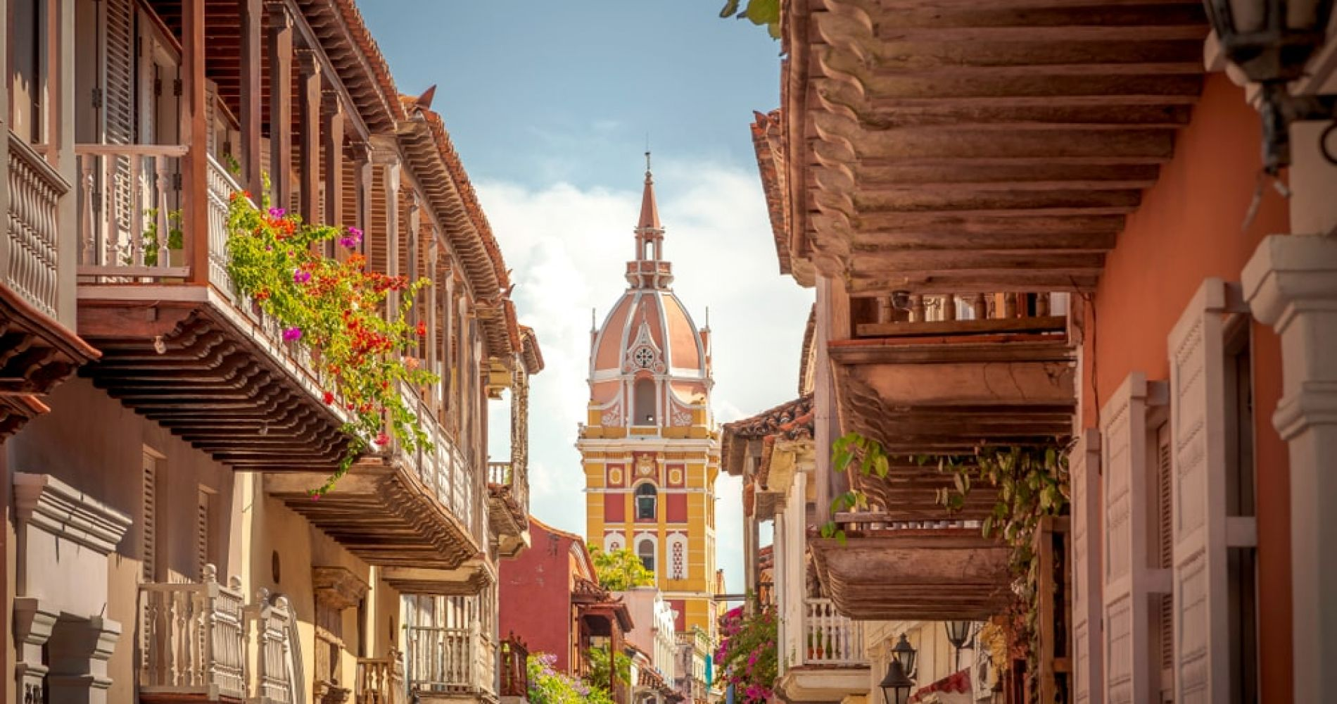 Take a Walk in Walled City of Cartagena