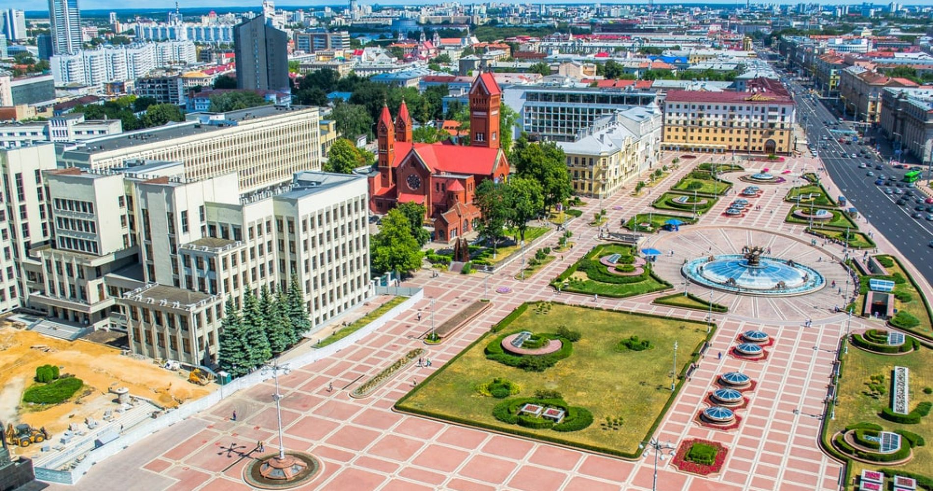 Visit the Independence Square in Minsk