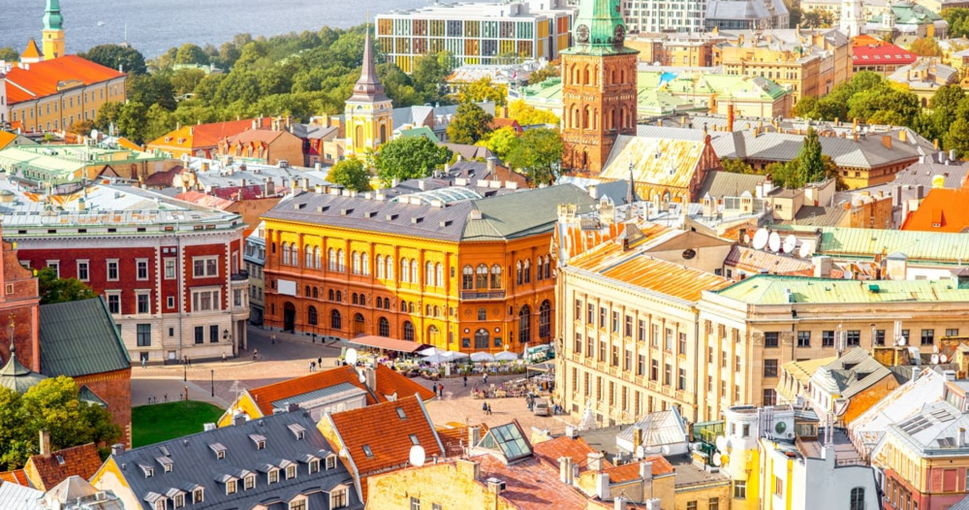 Wander through a Beautiful Old Town of Riga