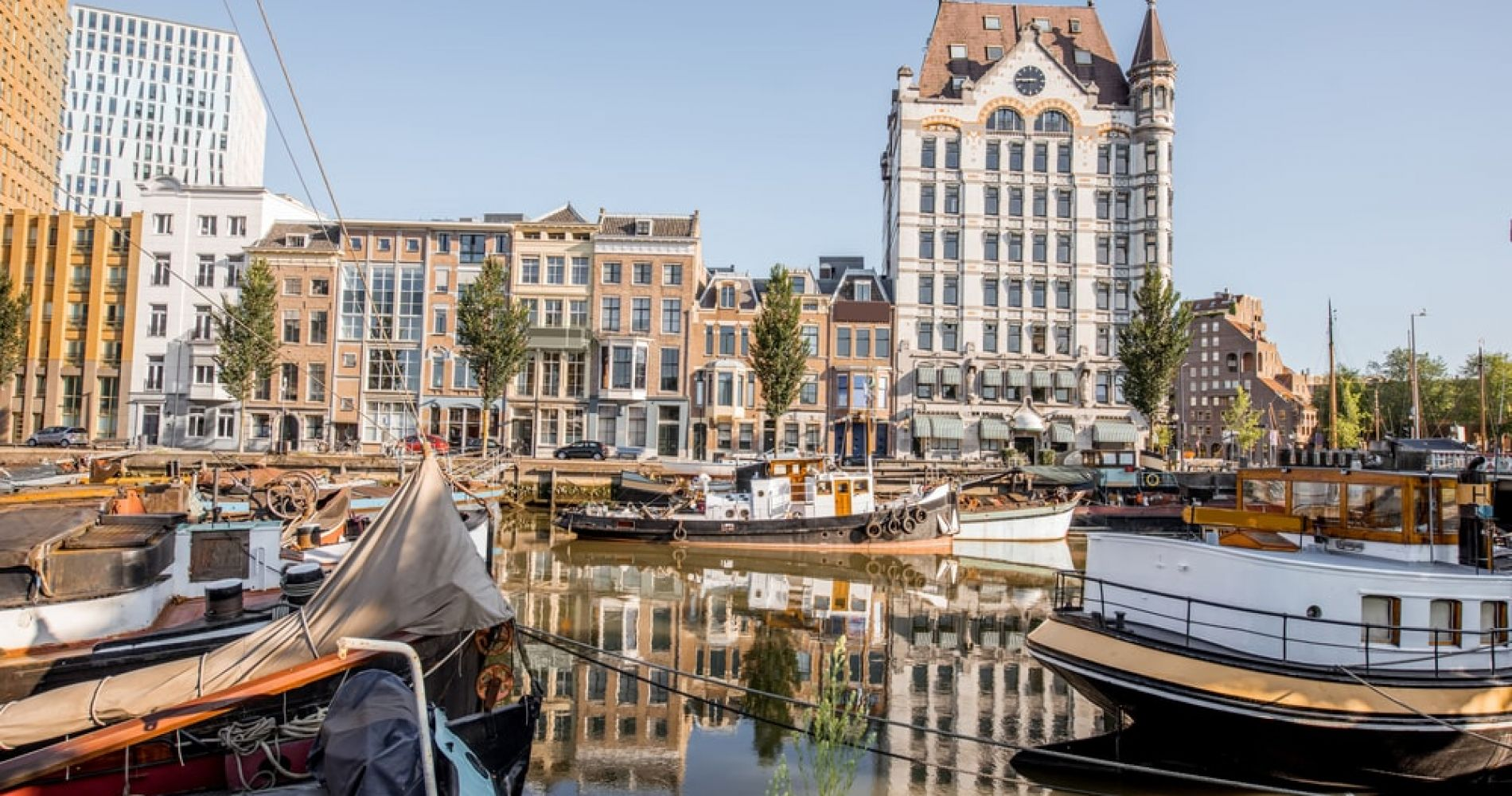 Wander in the Old Harbour of Rotterdam
